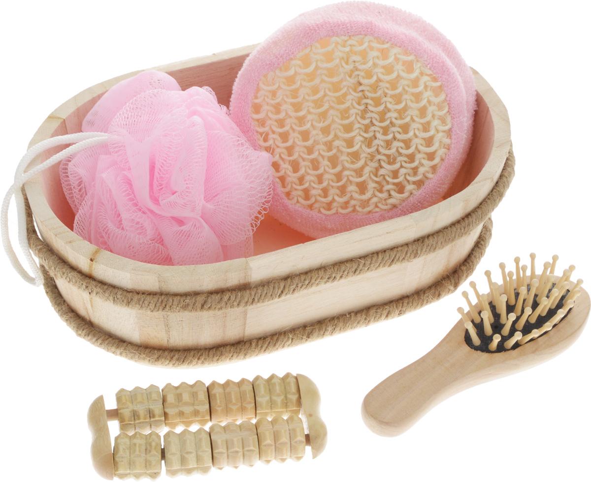 Набор для ванной и бани Феникс-Презент Чистое утро, 5 предметов40638В набор для ванной и бани Феникс-Презент Чистое утро входит: - лохань из древесины тополя, - массажная щетка для волос из древесины павловнии, - мочалка из полиэтилена, - массажная щетка для волос из древесины павловнии, - мочалка из сизаля, - массажный ролик из древесины павловнии. Такой мини-набор станет не заменимым и сделает банную процедуру еще более комфортной и расслабляющей.Размер мочалки из сизаля: 11 х 11 х 5 см. Диаметр мочалки из полиэтилена: 9,5 см.Размер щетки для волос: 12 х 4 х 3 см.Размер лохани: 20,5 х 13,5 х 6,5 см.Размер массажного ролика: 9,5 х 4,5 х 2 см.