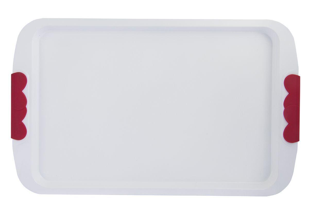Форма для запекания Pomi d'Oro Roma, прямоугольная, с керамическим покрытием, 43 см77.858@21206 / Q4301 RomaФорма для запекания Pomi dOro Roma изготовлена из углеродистой стали с керамическим покрытием Kerano. Такое покрытие позволяет готовить практически без использования масла, отличается хорошей стойкостью к внешним воздействиям и не деформируется при нагревании. Утолщенное дно обеспечивает равномерное распределение и длительное сохранение тепла. Форма снабжена удобными силиконовыми вставками. Пища в такой форме не пригорает и не прилипает к стенкам. Форма станет полезным приобретением для вашей кухни и сделает приготовление любимых блюд намного проще. Длина формы: 43 см.