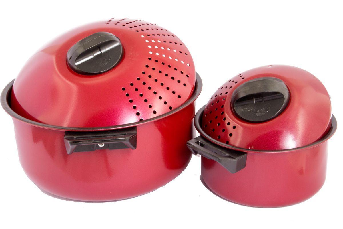 Набор кастрюль для спагетти Pomi d'Oro Vegetto Pasta Set с крышками, с антипригарным покрытием, 4 предмета77.858@23602 / Vegetto Pasta SetНабор Pomi d'Oro Vegetto Pasta Set состоит из двух кастрюль разного объема и двух крышек. Кастрюли изготовлены из высококачественной углеродистой стали с антипригарным покрытием. Такое покрытие позволяет готовить практически без использования масла, отличается хорошей стойкостью к внешним воздействиям и не деформируется при нагревании. Они оснащены утолщенным дном, которое обеспечивает наилучшее распределение тепла по поверхности посуды. Ручки выполнены из пластика и надежно крепятся к корпусу емкостей. Крышки оснащены специальными отверстиями для слива жидкости. Посуду можно использовать на всех типах плит, включая индукционные.Объем кастрюль: 1,5 л, 4,5 л.