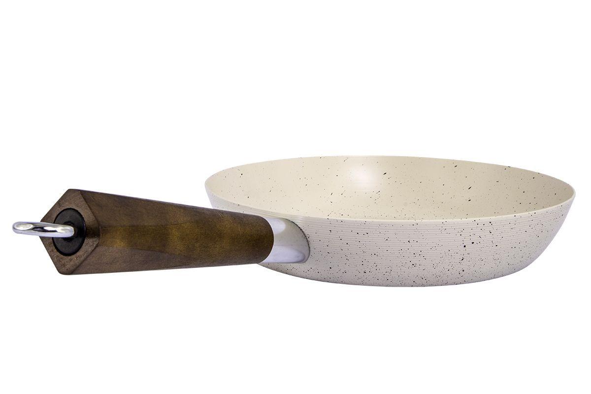Сковорода Pomi d'Oro Punto, с керамическим покрытием. Диаметр 22 см77.858@23639 / F2246(18) PuntoСковорода Pomi dOro Punto изготовлена из высококачественной стали. Не содержит и не выделяет при нагревании PFOA. Специальное керамическое покрытие Kerano - это нанопокрытие, при нанесении которого не используется перфоктановая кислота (PTFE). Обеспечивает дополнительную прочность и исключительную износостойкость. Ручка выполнена из тонированного дерева. Конусообразная форма способствует тому, что пища прожаривается молниеносно, так как пламя охватывает сразу все стенки. Продукты получаются сочными внутри, а сверху мгновенно образуется хрустящая корочка, которая не дает еде терять витамины и минералы.Подходит для газовых и электрических плит. Можно мыть в посудомоечной машине Диаметр сковороды (по верхнему краю): 22 см.