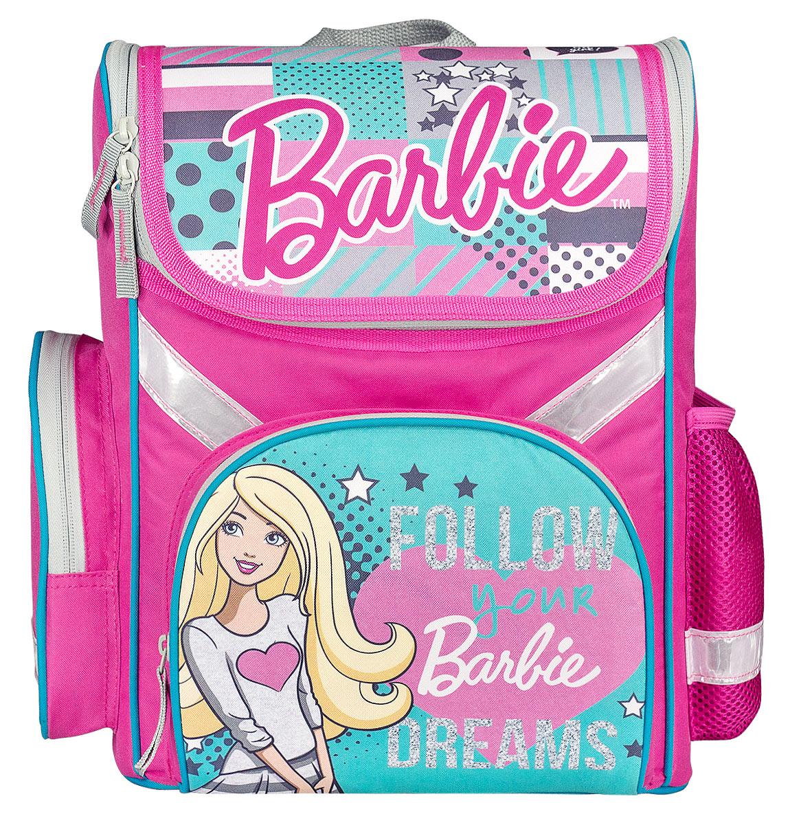 Barbie Ранец школьный Follow DreamsBRDB-MT1-113FШкольный ранец Barbie выполнен из современного легкого и прочного полиэстера. Ранец дополнен ярким изображением куклы Барби.Изделие имеет одно основное отделение, закрывающееся клапаном на застежку-молнию с двумя бегунками. Внутри отделения расположены два мягких разделителя с утягивающей резинкой, предназначенные для тетрадей и учебников. На лицевой стороне ранца расположен накладной карман на молнии. По бокам ранца размещены два дополнительных накладных кармана, один на молнии, и один открытый.Анатомическая вентилируемая спинка ранца и широкие мягкие лямки, регулируемые по длине, равномерно распределяют нагрузку на плечевой пояс, способствуя формированию правильной осанки.Ранец оснащен текстильной ручкой для переноски.Многофункциональный школьный ранец станет незаменимым спутником вашего ребенка в походах за знаниями.Вес ранца без наполнения менее 1 кг.