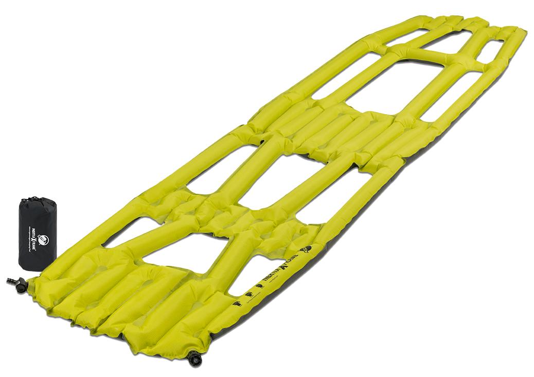 Коврик надувной Klymit Inertia X Frame pad Chartuesse, цвет: желтый06IXRd01AЛегкий и компактный надувной коврик. Технология Loft Pocket (сохранение тепла и улучшенная воздухопроницаемость за счет уменьшения размера и пустот) Технология Body Mapping (комфорт и поддержка ключевых точек давления на коврик) Материал низа: полиэстер 75D. Материал верха: полиэстер 30 D. Надувается за 3- 5 выдохов. Размер в сложенном виде: 7,62 x 15,2 см. В комплекте: коврик, насос, набор для ремонта (патч и клей), чехол.