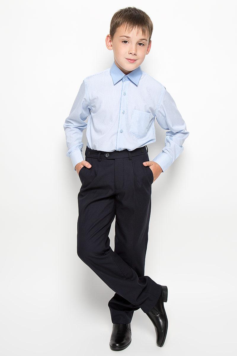 Рубашка для мальчика Nota Bene, цвет: голубой, белый. CWR16005B-10. Размер 158CWR16005A-10/CWR16005B-10Стильная рубашка для мальчика Nota Bene с длинными рукавами идеально подойдет вашему ребенку. Изготовленная из хлопка с добавлением модала и полиэстера, она мягкая и приятная на ощупь, не сковывает движения и позволяет коже дышать, не раздражает даже самую нежную и чувствительную кожу ребенка, обеспечивая ему наибольший комфорт. Рубашка классического кроя с отложным воротничком застегивается на пуговицы по всей длине. Рукава имеют широкие манжеты, также застегивающиеся на пуговицы. Низ изделия слегка закруглен. Модель дополнена небольшим накладным нагрудным карманом. Изделие оформлено принтом в тонкую полоску. Оригинальный современный дизайн и модная расцветка делают эту рубашку стильным предметом детского гардероба. Ее можно носить как с джинсами, так и с классическими брюками.
