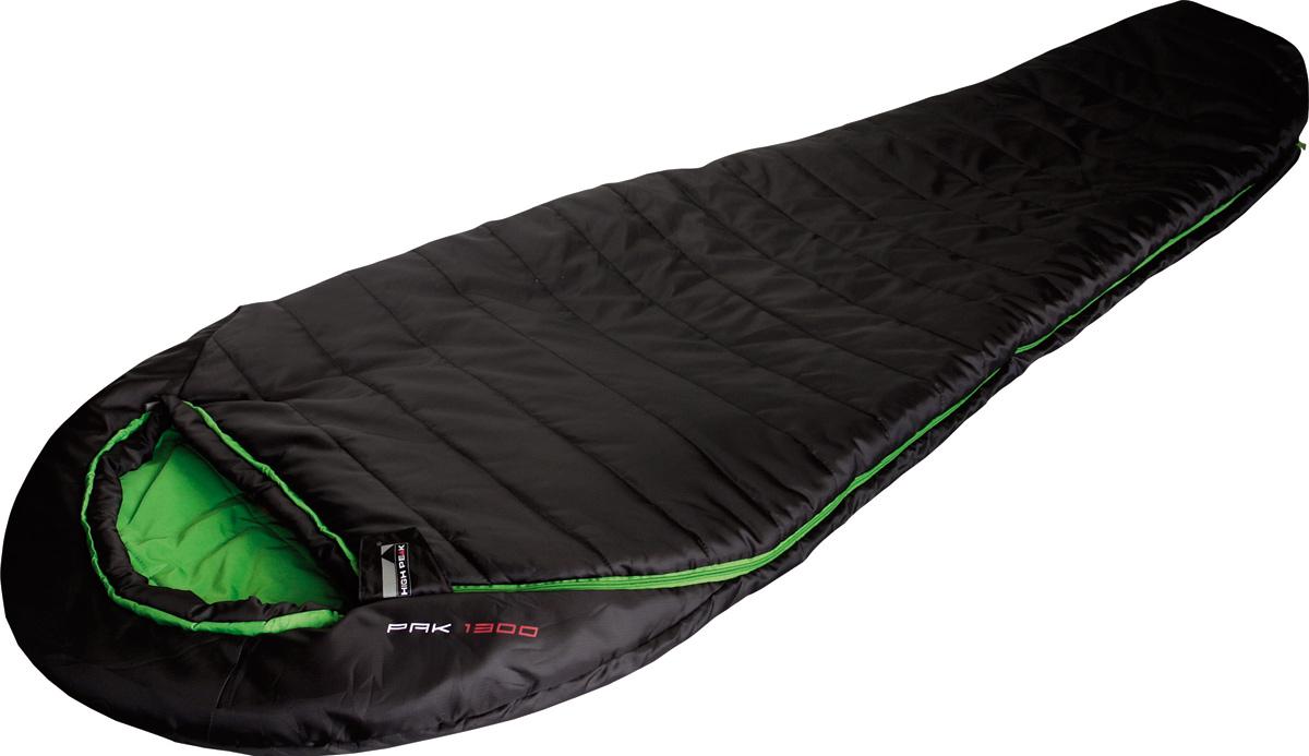 Спальник High Peak Pak 1300, цвет: черный, левосторонняя молния23313High Peak Pak 1300 - компактный спальник для походов с мая по сентябрь и несложных горных восхождений. Внешняя ткань усилена плетением рипстоп, а внутренняя ткань хорошо испаряет влагу и приятна на ощупь. Спальник имеет полноценный капюшон, защищающий голову и плечи в прохладную ночь. В верхней части молния фиксируется клапаном на липучке Velcro. На молнии 2 бегунка, которые позволяют расстегнуть спальник со стороны ног и сделать вентиляционное окно. Вдоль молнии идет защита от закусывания замком молнии ткани спальника. Чтобы холодный воздух не проникал сквозь молнию, ее закрывает тепловой клапан. Спальник утеплен двумя слоями силиконизированного утеплителя Dura Loft Н1 2 х 100 г/м2 (200 г/м2 ) + 2 х 100 г/м2 (200 г/м2 ). В комплекте со спальником идет компрессионный транспортировочный чехол объемом 11,3 л.