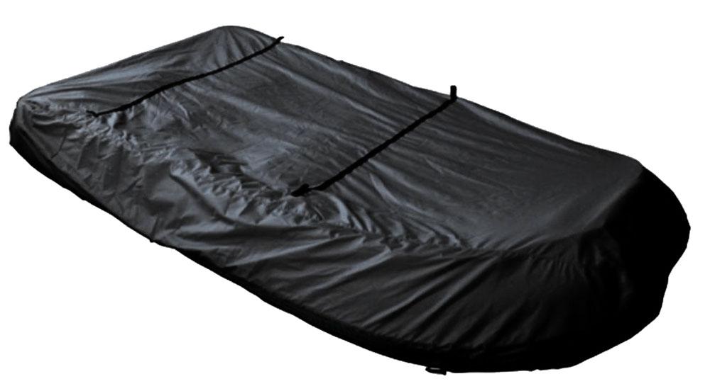 Чехол AG-brand, для транспортировки лодок ПВХ 330AG-UNI-MA-PVC330-TC_черныйЧехол AG-brand предназначен для транспортировки лодок. Он изготовлен из высокопрочной плотной тентовой ткани с высоким показателем водоупорности. Изделие дополнено прочной текстильной стропой для крепления лодки в прицепе или специальном боксе для перевозки.Чехол для транспортировки и хранения входит в комплект.