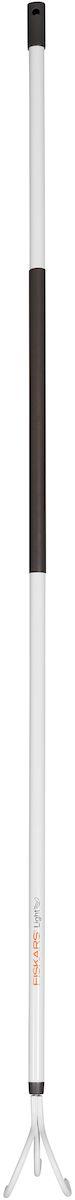 """Облегченный культиватор Fiskars """"Light"""" предназначен для удаления сорняков и рыхления почвы на грядке или под растениями. Острые зубья, выполненные из закаленной стали, легко проникают в почву. Алюминиевый черенок станет удобным подспорьем в работе для женщин. Пластиковое покрытие на черенке обеспечивает хорошую теплоизоляцию. На ручке расположено специальное отверстие для удобства хранения.Длина культиватора: 164 см.Количество зубьев: 3."""