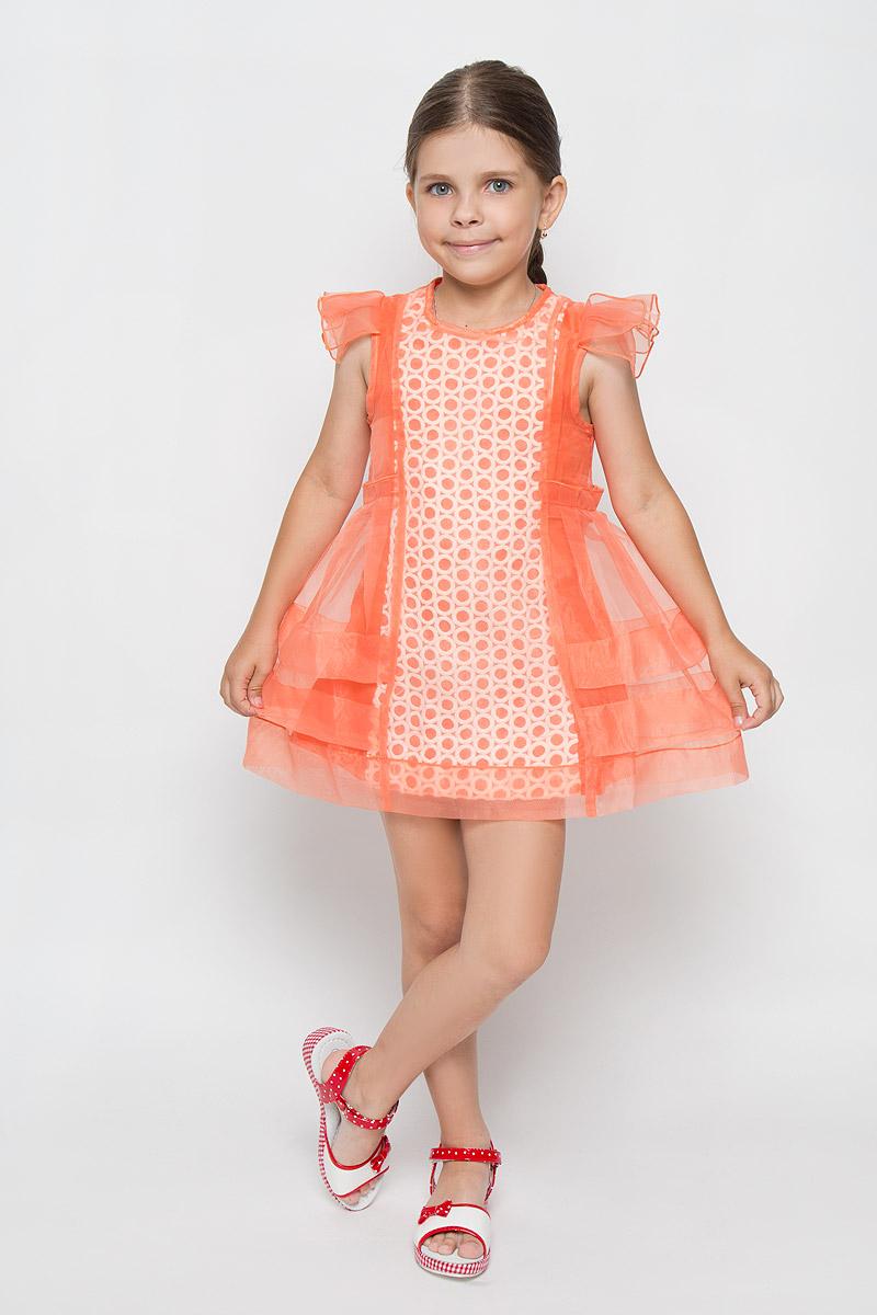 Платье для девочки Nota Bene, цвет: коралловый. SSP1534-4. Размер 140SSP1534-4Оригинальное платье для девочки Nota Bene идеально подойдет вашей маленькой моднице. Верх платья выполнен из прозрачной ткани. На модели предусмотрена подкладка, изготовленная из натурального хлопка. Платье легкое и воздушное, не стесняет движений и хорошо вентилируется. Платье с круглым вырезом горловины и короткими рукавами-крылышками застегивается по спинке на скрытую молнию, что помогает при переодевании ребенка. Спереди модель украшена вставкой с фактурной поверхностью.Обладательница такого красивого платья всегда будет в центре внимания!