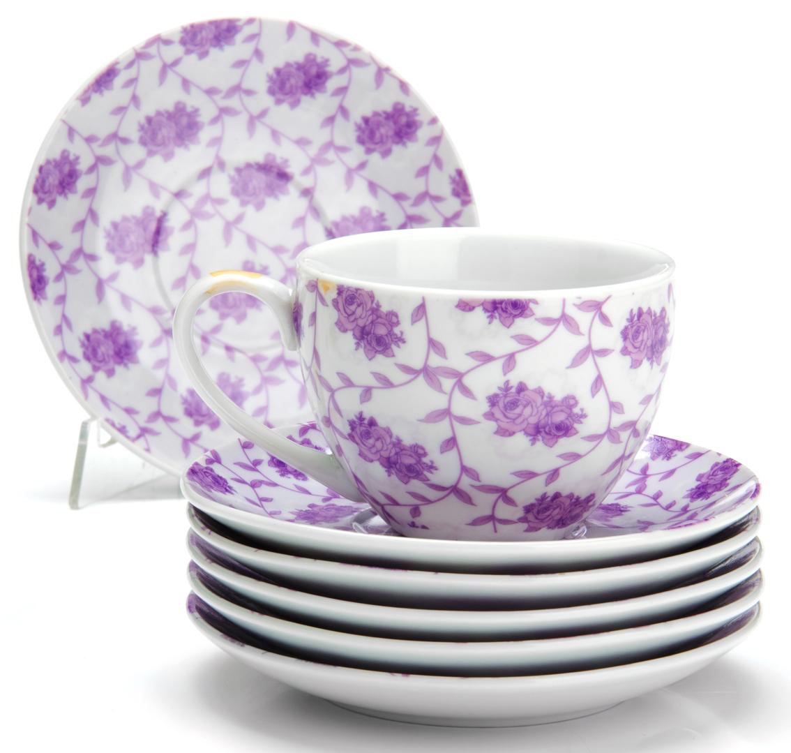 Чайный сервиз Loraine Цветы, 220 мл, 12 предметов. 2592825928Чайный сервиз на 6 персон изготовлен из качественного фарфора и оформлен красивым рисунком. Элегантный и удобный чайный сервиз не только украсит сервировку стола, но и поднимет настроение и превратит процесс чаепития в одно удовольствие.Сервиз состоит из 12 предметов: шести чашек и шести блюдец, упакованных в подарочную коробку. Чашки имеют удобную, изящную ручку.Изделия легко и просто мыть.Диаметр чашки: 9 см.Высота чашки: 7 см.Объем чашки: 220 мл.Диаметр блюдца: 14 см.