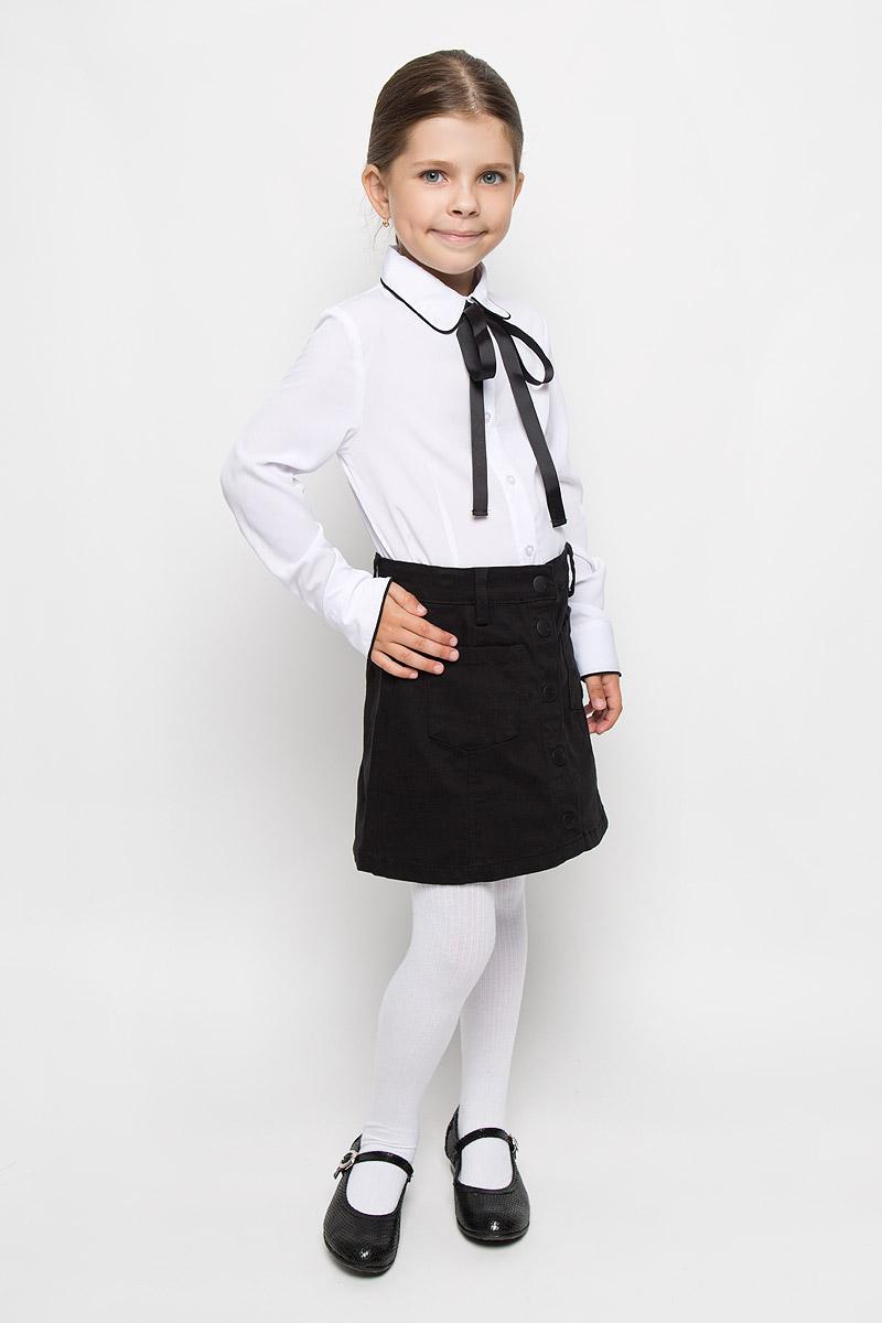 Блузка для девочки Orby School, цвет: белый. 64149_OLG_вариант 1. Размер 152, 10-11 лет64149_OLG_вариант 1Блузка для девочки Orby School, выполненная из полиэстера, вискозы и эластана, займет достойное место в гардеробе школьницы. Материал изделия легкий, мягкий и приятный на ощупь, не сковывает движения и хорошо пропускает воздух. Блузка с отложным воротником и длинными рукавами застегивается на пуговицы по всей длине. Под воротником модель дополнена съемной лентой контрастного цвета, завязывающейся в бант. На рукавах предусмотрены манжеты с застежками-пуговицами. Блузка отлично сочетается с юбками и брюками. В ней вашей принцессе всегда будет уютно и комфортно!