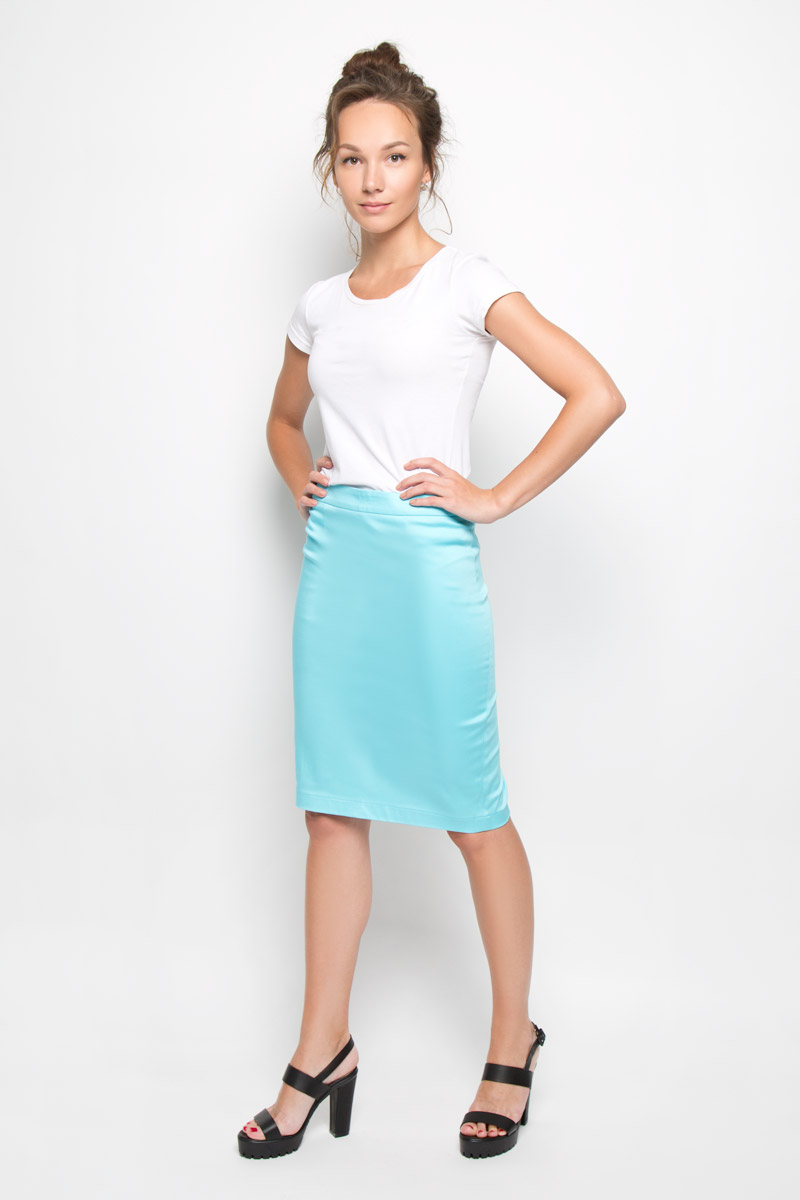 Юбка Milana Style, цвет: голубой. 20416. Размер M (46)20416Эффектная юбка Milana Style выполнена из хлопка с добавлением полиамида, она обеспечит вам комфорт и удобство при носке. Такой материал обладает высокой гигроскопичностью, великолепно пропускает воздух и не раздражает кожу.Однотонная юбка-миди сзади застегивается на потайную застежку-молнию. Также сзади юбка дополнена шлицей. Модная юбка выгодно освежит и разнообразит ваш гардероб. Создайте женственный образ и подчеркните свою яркую индивидуальность! Классический фасон и оригинальное оформление этой юбки позволят вам сочетать ее с любыми нарядами.