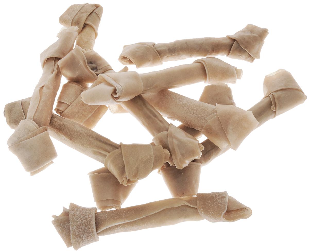 Лакомство для собак из жил Каскад Кость, длина 20 см, 10 шт. 90072003PX600HX010Лакомство для собак Каскад Кость идеально подходит для ухода за зубами и деснами. При ежедневном применении предупреждает образование зубного налета.Такая косточка будет аппетитным лакомством и занимательной игрушкой для вашего любимца.Комплектация: 10 шт.Размер косточки: 20 х 3,5 х 2 см.Вес одной косточки: 80-85 г. Товар сертифицирован.Тайная жизнь домашних животных: чем занять собаку, пока вы на работе. Статья OZON ГидЧем кормить пожилых собак: советы ветеринара. Статья OZON Гид