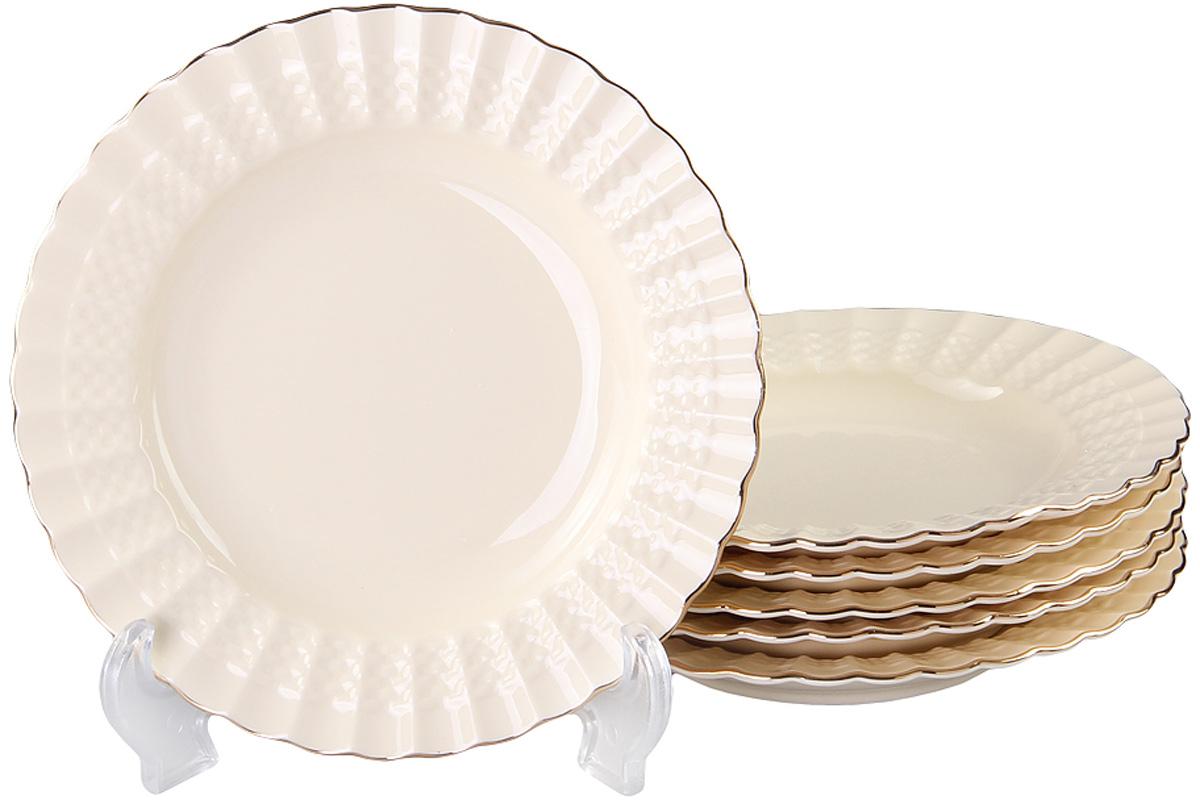 Набор глубоких тарелок Patricia Грейс Голд, диаметр 19 см, 6 штIM52-4011Набор Patricia состоит из шести глубоких тарелок, выполненных из фарфора высокого качества и украшенных позолотой. Благодаря безукоризненному дизайну и качеству эти тарелки прослужат вам много лет. Не рекомендуется мыть в посудомоечной машине и использовать в микроволновой печи.