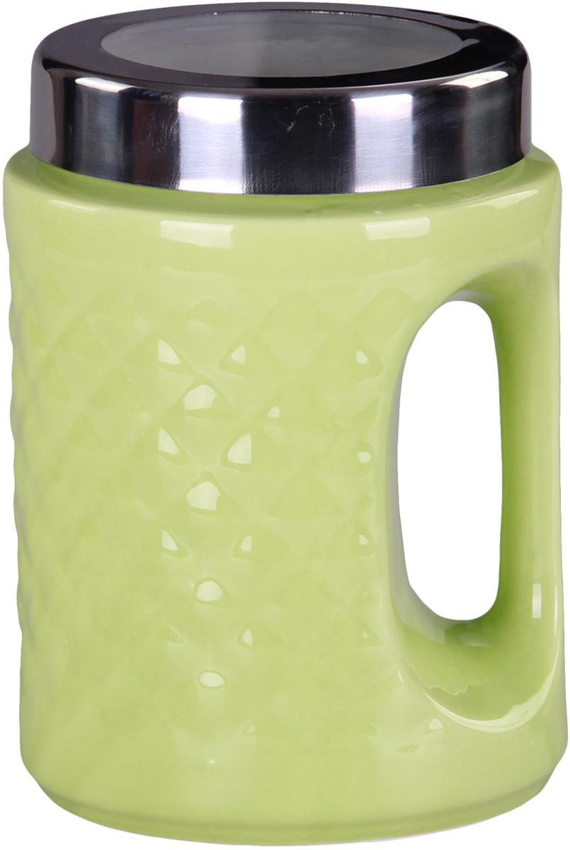Банка для сыпучих продуктов Patricia, цвет: зеленый, высота 18 смIM99-5243Банка для сыпучих продуктов Patricia выполнена из глазурованной керамики высокого качества и оформлена рельефом. Банка снабжена плотно закрывающейся крышкой и удобной ручкой. Она идеально подойдет для хранения чая, кофе, сахара, круп и других сыпучих продуктов. Прозрачная вставка в крышке позволяет видеть содержимое. Изделие сохраняет продукты свежими и ароматными на длительное время.Функциональная и вместительная, такая банка станет незаменимым аксессуаром и стильно оформит интерьер кухни. Высота банки: 18 см.