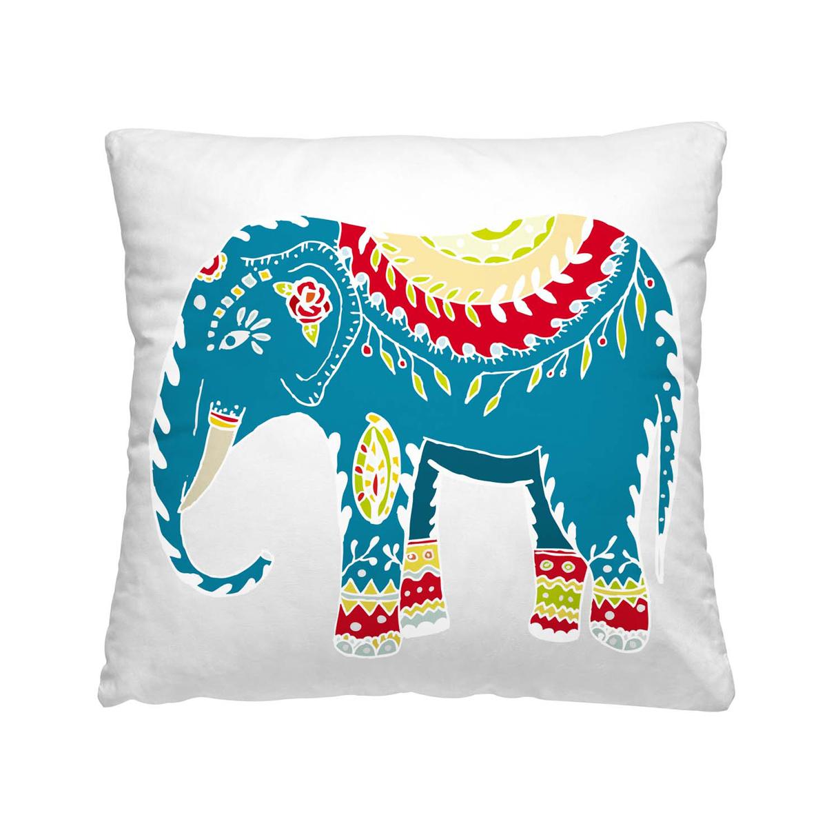 Подушка декоративная Волшебная ночь Индийский слон, 40 х 40 см195647Декоративная подушка Волшебная ночь Индийский слон прекрасно дополнит интерьер спальни или гостиной. Чехол подушки выполнен из 100% полиэстера. Лицевая сторона украшена красивым рисунком. Наполнитель - полиэстер.Красивая подушка создаст атмосферу уюта в доме и станет прекрасным элементом декора. Особенности изделия: - Съёмный чехол на молнии; - Наполнитель в индивидуальной наволочке; - Оборотная сторона из стёганого полотна для улучшения формоустойчивости.Размер: 40 x 40 см.