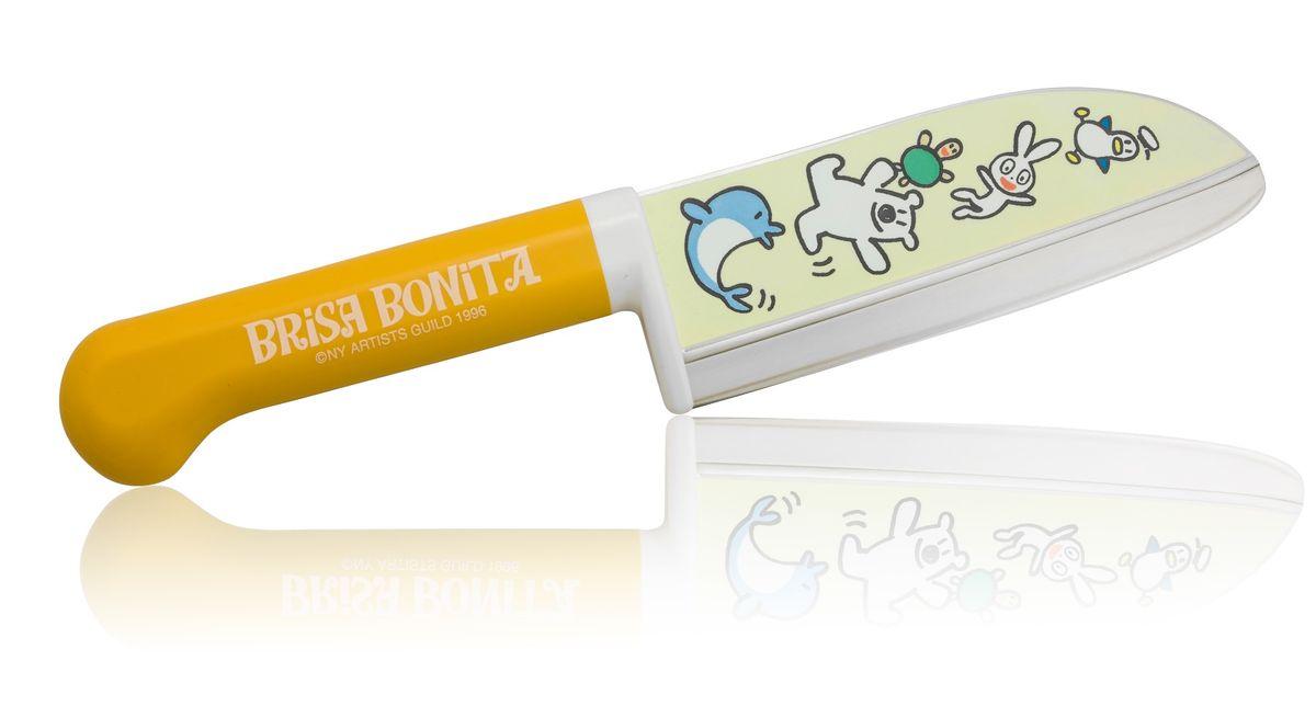 Нож сантоку Tojiro Brisa Bonita, детский, длина лезвия 11,5 см. BB-10BB-10Детский нож сантоку Tojiro Brisa Bonita изготовлен из высококачественной нержавеющей стали, обладающей высокой твердостью и устойчивостью к коррозии.Японская компания Tojiro представляет Brisa Bonita - специальная серия кухонных ножей для детей (9+). Эти ножи выполнены с учетом максимальной безопасности для ребенка, рукоять ножа изготовлена из высокопрочного пластика и имеет широкий упор под пальцы. Лезвие имеет закругленное острие и скрытую под упором пятку. Однако это полноценный кухонный нож и совсем не игрушка, он позволяет разрезать любые продукты с легкостью которая присуща всем ножам марки Tojiro.Правила эксплуатации: - Хранить нож следует в сухом месте. - После использования, промойте нож теплой водой и протрите насухо. - Оставление ножа в загрязненном состоянии может привести к образованию коррозии. Запрещается: - Мыть нож в посудомоечной машине. - Хранить ножи в одной емкости со столовыми приборами. - Резать на твердых поверхностях: каменных столешницах, керамических тарелках, акриловых досках. - Запрещается нецелевое использование ножа: вскрывать консервные банки, разрезать кости, скоблить твердые поверхности, резать замороженные продукты. Правка производится легкими движениями на водном камне или мусате. Заточка ножа - сложный технологический процесс, должен производиться профессионалом на специальном оборудовании. Услуга по заточке ножа предоставляется специалистами компании «Тоджиро». Уважаемые клиенты! В случае несоблюдения правил эксплуатации, нож не подлежит гарантийному обслуживанию.