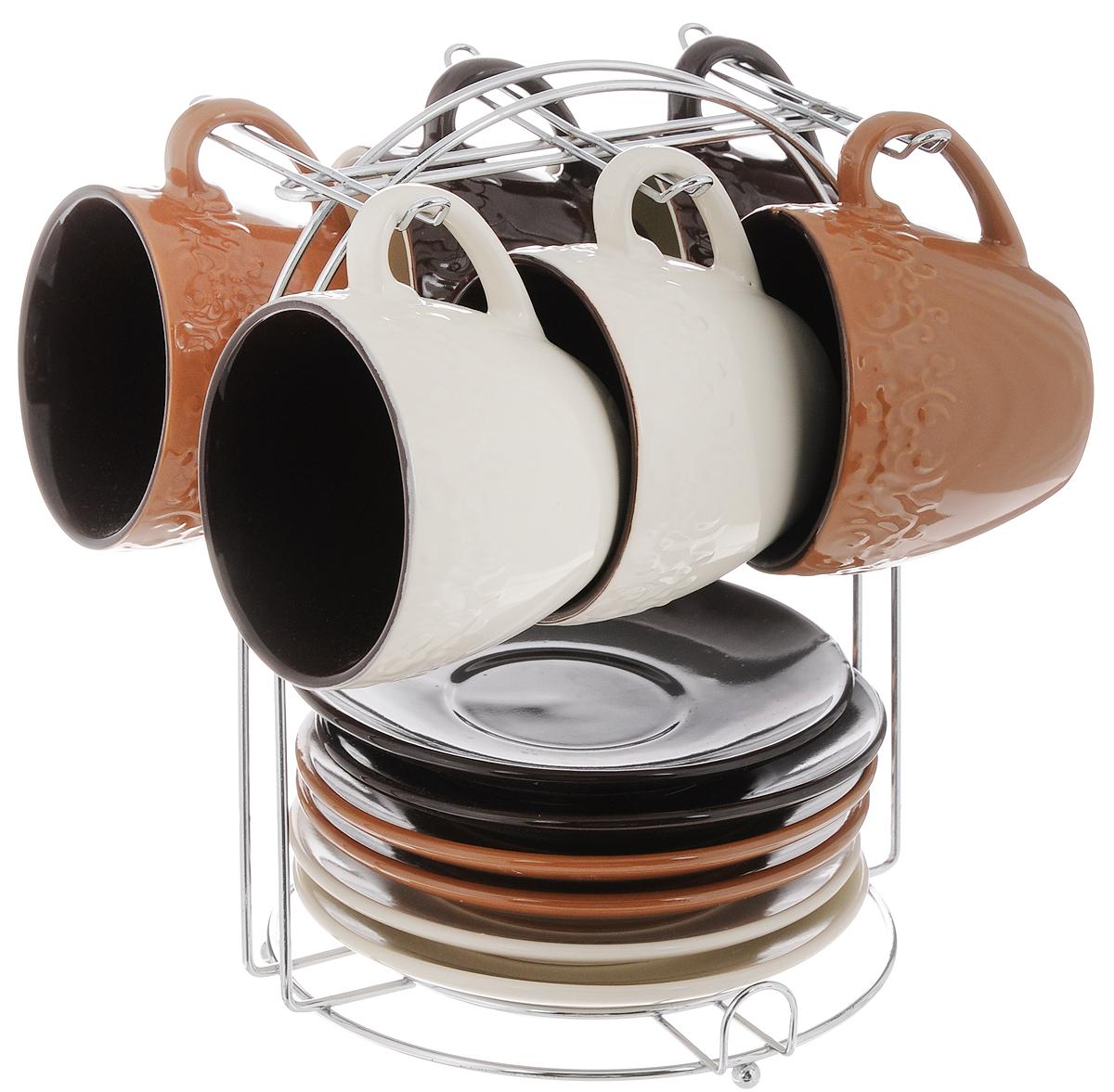 Набор чайный Loraine, на подставке, 13 предметов. 2466424664Набор Loraine состоит из шести чашек и шести блюдец, изготовленных из высококачественной керамики. Чашки оформлены рельефным узором. Изделия расположены на металлической подставке. Такой набор подходит для подачи чая или кофе.Изящный дизайн придется по вкусу и ценителям классики, и тем, кто предпочитает утонченность и изысканность. Он настроит на позитивный лад и подарит хорошее настроение с самого утра. Чайный набор Loraine - идеальный и необходимый подарок для вашего дома и для ваших друзей в праздники.Можно мыть в посудомоечной машине. Объем чашки: 220 мл. Диаметр чашки (по верхнему краю): 8,3 см. Высота чашки: 7,3 см. Диаметр блюдца: 14 см. Размер подставки: 17 х 17 х 22 см.