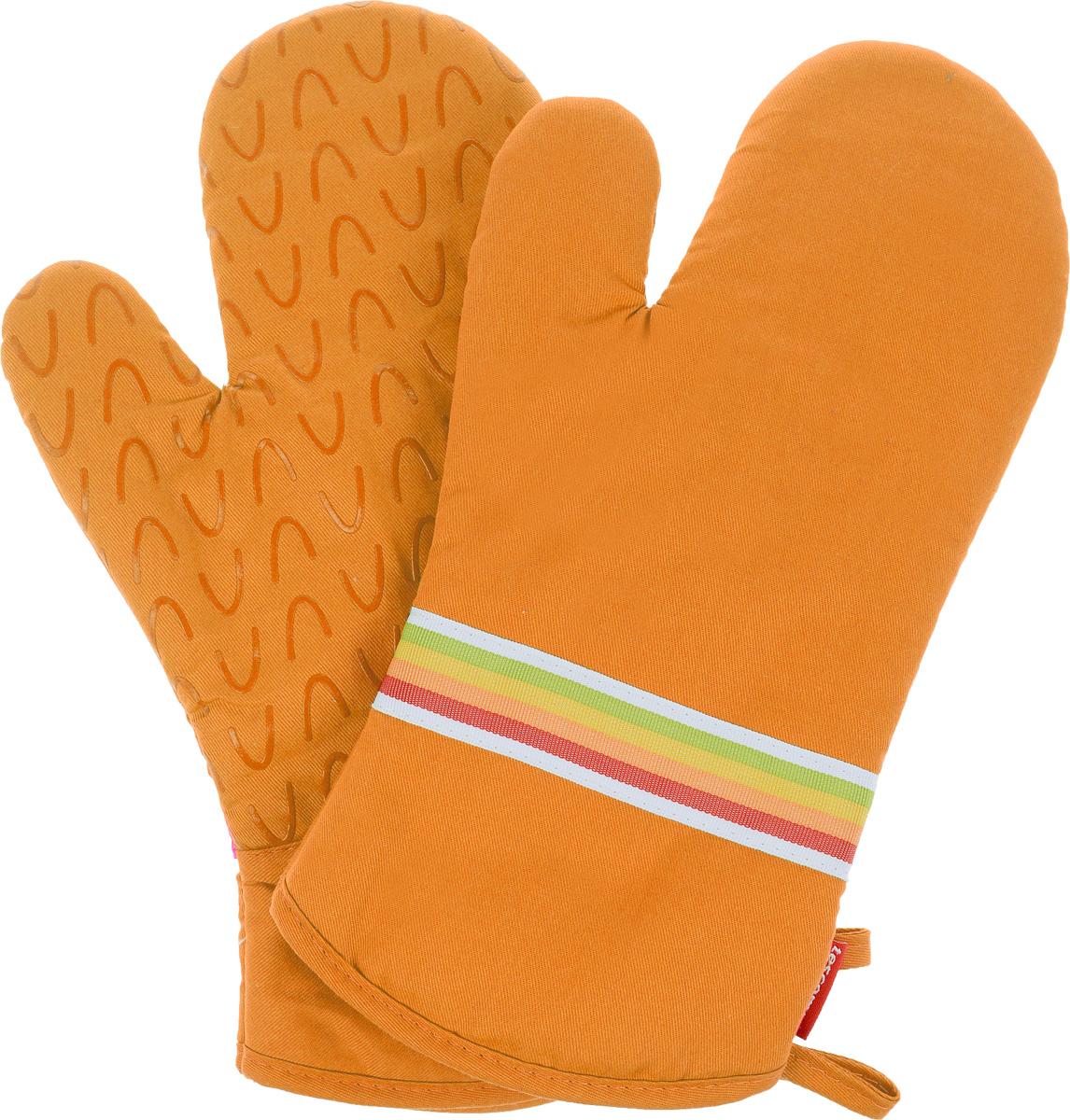 Рукавица-прихватка Tescoma Presto Tone, цвет: оранжевый, 33 х 18 см, 2 шт639751_оранжевыйРукавица-прихватка Tescoma Presto Tone, изготовленная из 100% хлопка и термостойкого силикона, имеет яркий дизайн. Для простоты и удобства хранения, изделие оснащено петелькой для подвешивания и магнитом. Такая прихватка защитит ваши руки от высоких температур и предотвратит появление ожогов. Рекомендуется стирка при температуре 30°С. Размер изделия (ДхШ): 33 х 18 см.Комплектация: 2 шт.