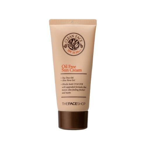The Face Shop Clean Face Солнцезащитный крем для жирной и комбинированной кожи SPF35, 50 млУТ000001866Устойчивый солнцезащитный крем разработан специально для проблемной и комбинированной кожи, склонной к воспалениям. Невесомая обезжиренная текстура препятствует закупориванию пор, не вызывает аллергии, снижает воспаления. Может использоваться в качестве основы под макияж в летнее время. Имеет солнцезащитный фактор SPF35.
