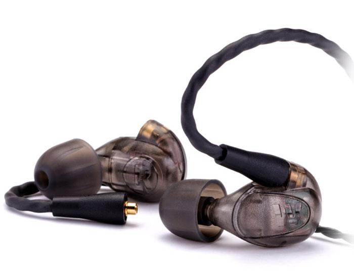 Westone UM PRO20, Smoke наушники15118157Westone UM Pro 20 — профессиональный инструмент, вобравший в себя целый набор качественных характеристик, которые обеспечат великолепное живое выступление в условиях сцены, а также подарят долгие часы прослушивания любимых композиций в любой другой обстановке.Собираемая вручную в Колорадо Спрингс, модель отличается наличием двух драйверов на каждый канал, по одному — для высоких и низких частот, а также гарантирует исключительную и удобную посадку благодаря особому заушному креплению кабеля.