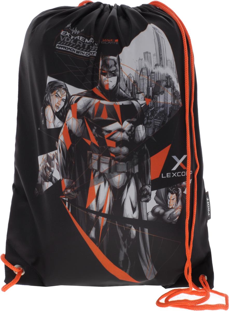 Proff Сумка для сменной обуви Бэтмен против СуперменаVS16-SB-001Сумку Proff Бэтмен против Супермена удобно использовать как для хранения, так и для переноски сменной обуви.Яркая сумка выполнена из высококачественного прочного полиэстера и оформлена изображением героев фильма Бэтмен против Супермена.Сумка затягивается сверху при помощи текстильных шнурков. Шнурки фиксируются в нижней части сумки, благодаря чему ее можно носить за спиной как рюкзак.