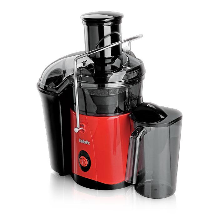 BBK JC060-H01, Black Red соковыжималкаJC060-H01 ч/кСоковыжималки уверенно можно внести в список необходимых абсолютно каждому человеку электроприборов, поскольку благодаря ей сохраняется главная ценность – здоровье. Модель BBK JC060-H01 обеспечит всю семью полезными соками. Номинальная мощность 500 Вт. Устройство имеет простое управление, загрузочная горловина имеет ширину 72 мм и подойдет для целых яблок, крупных овощей и фруктов. Стальной фильтр-сепаратор с лезвиями выполнен из высококачественной стали, ножки – прорезиненные, обеспечивающие устойчивость и отсутствие скольжения соковыжималки в процессе работы. Удобный сливной носик для сока предотвращает капанье на рабочую поверхность.
