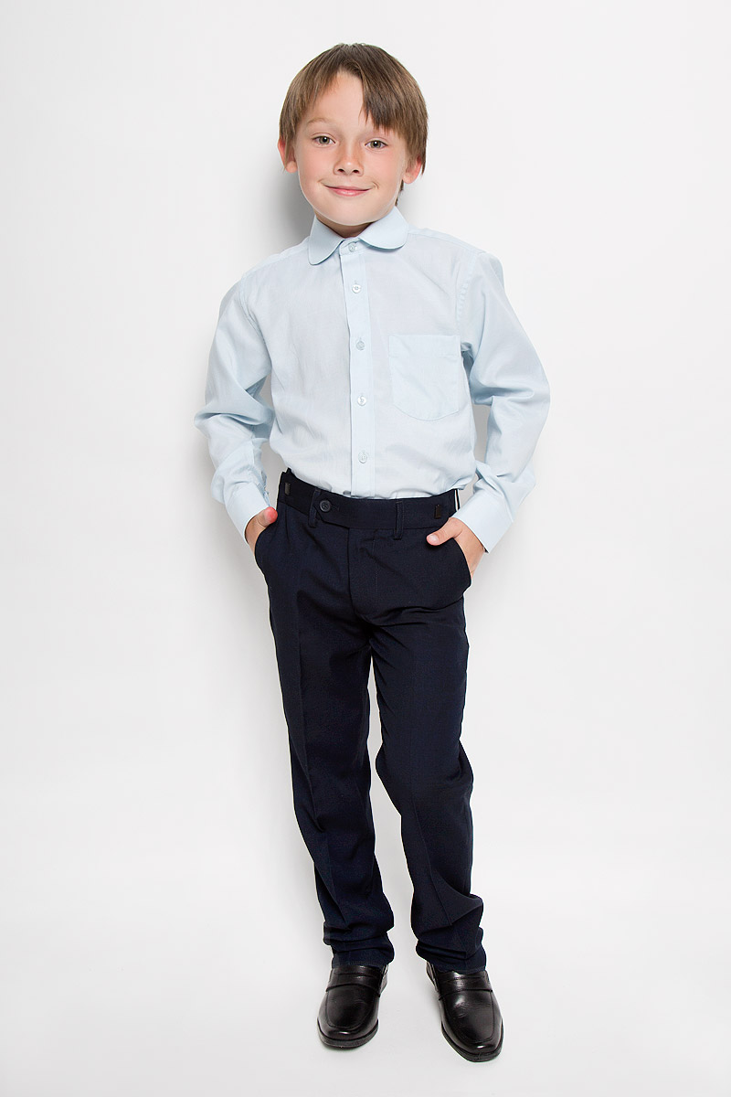 Рубашка для мальчика Imperator, цвет: светло-голубой. Graf 3/41. Размер 31/128-134Graf 3/41Рубашка для мальчика Imperator выполнена из хлопка с добавлением полиэстера. Она отлично сочетается как с джинсами, так и с классическими брюками. Материал изделия мягкий и приятный на ощупь, не сковывает движения и обладает высокими дышащими свойствами.Рубашка прямого кроя с длинными рукавами и отложным воротником застегивается на пуговицы по всей длине. Манжеты рукавов также имеют застежки-пуговицы. На груди расположен накладной карман.Такая рубашка займет достойное место в детском гардеробе, в ней ребенку будет удобно и комфортно!