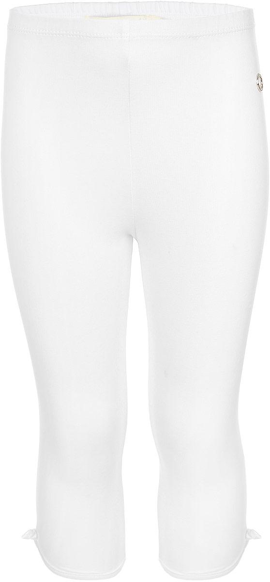 Бриджи для девочки Silver Spoon Casual, цвет: белый. SCFSG-618-26301-200 мод.F2-001. Размер 98SCFSG-618-26301-200 мод.F2-001Стильные бриджи для девочки Silver Spoon Casual идеально подойдут для активного отдыха и прогулок.Изготовленные из эластичного хлопка, они необычайно мягкие и приятные на ощупь, не сковывают движения и позволяют коже дышать, не раздражают даже самую нежную и чувствительную кожу ребенка,обеспечивая наибольший комфорт. Удобные бриджи имеют широкую эластичную резинку на поясе, которая не сдавливает животик малышки, обеспечивая ей комфорт и удобство. Бриджи украшены декоративными атласными бантиками и металлическим лейблом с логотипом бренда.Оригинальный современный дизайн и расцветка делают эти бриджи модным и стильным предметомдетского гардероба. В них ваша малышка всегда будет в центре внимания!