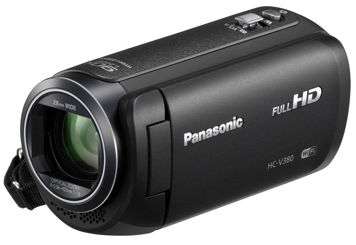 Panasonic HC-V380, Black видеокамераHC-V380EE-KБольше динамичных и эмоциональных воспоминанийС легкостью снимайте удаленные объекты, до которых не добраться с помощью обычного зума, благодаря 90-кратному интеллектуальному зуму. Вы также можете использовать 50-кратный оптический зум, чтобы приближать объекты и добавить больше эмоций и динамики к вашим домашним съемкам.Правильный уровень горизонта в любой ситуацииФункция выравнивания изображения автоматически определяет и исправляет наклон сделанных снимков, так что вы можете не отвлекаться от съемки. В зависимости от условий съемки можно выбрать один из трех параметров выравнивания (выкл., обычное, сильное).Чистый результат без размытияПятиосевая стабилизация HYBRID O.I.S.+ предотвращает размытие изображения, вызванное дрожанием камеры при любом положении объектива: от широкого угла до максимального фокусного расстояния. Это позволяет делать четкие и чистые снимки без размытия практически в любых ситуациях.С легкостью делайте групповые снимкиУмещайте больше людей и фона в кадр-это возможно благодаря широкоугольному 28-мм объективу (в эквиваленте 35-мм камеры). Это особенно удобно, когда требуется сделать групповой снимок в небольшом помещении. В кадр помещаются все объекты съемки даже с очень близкого расстояния, благодаря чему встроенный микрофон видеокамеры захватывает даже приглушенные звуки.Насладитесь новым стилем съемки, который позволит вам добавить еще больше эмоций в ваши фильмы. Используя Wi-Fi, вы можете подключить до трех смартфонов и записывать видео с двух из них в дополнительных окнах как картинка в картинке. Дополнительные окна можно менять местами и перемещать их положение на общем экране. Это позволит снимать с различных углов и точек обзора, чтобы добиться более высокого уровня эмоционального воздействия.Функция дистанционного управленияПриложение Panasonic Image позволит вам использовать мобильное устройство для дистанционного управления в режиме реального времени. Позднее видеозапись можно просмо