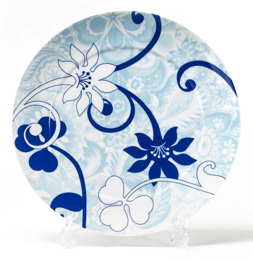 Блюдо для презентаций La Rose Des Sables Bleu Sky, 32 см580632 2230Фарфор производится в Тунисе из знаменитой своим качеством и белизной глины, добываемой во французской провинции Лимож. Преимущества этого фарфора заключаются в устойчивости к сколам и трещинам, что возможно благодаря двойному термическому обжигу. Данную серию можно использовать в СВЧ и посудомоечной машине. Данная посуда рассчитана на интенсивное использование. Лиможский фарфор не содержит включений тяжелых металлов, что соответствует мировым и российским санитарным требованиям.