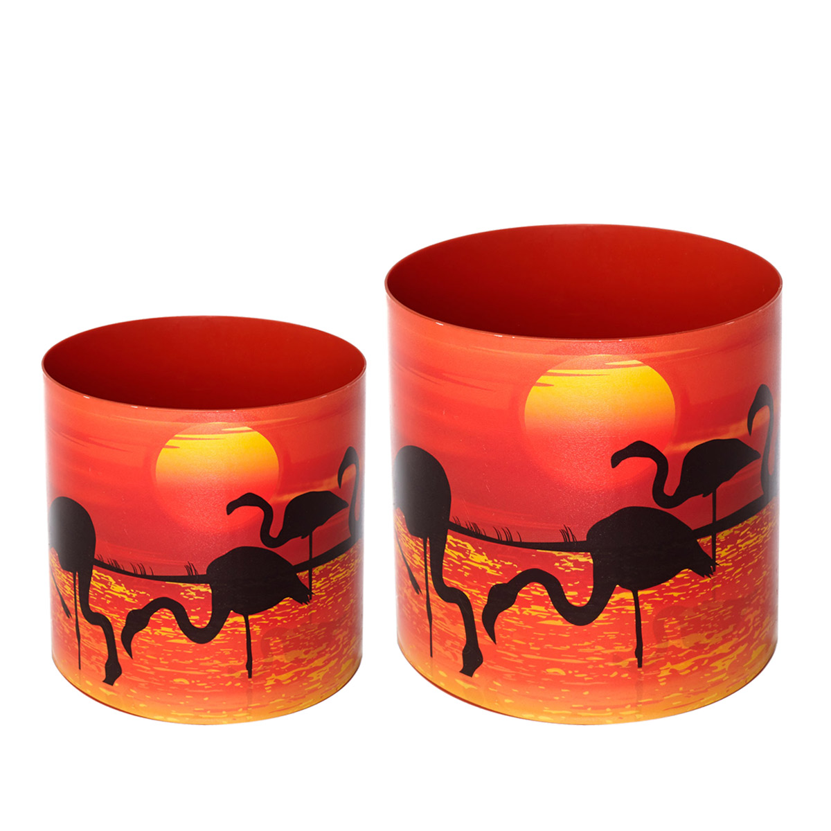 """Набор Miolla """"Фламинго"""" состоит из 2 горшков со скрытыми поддонами. Горшки  выполнены из пластика и декорированы красочным рисунком. Изделия предназначены для цветов. Изделия оснащены специальными скрытыми поддонами.Объем горшков: 1 л, 1,7 л."""