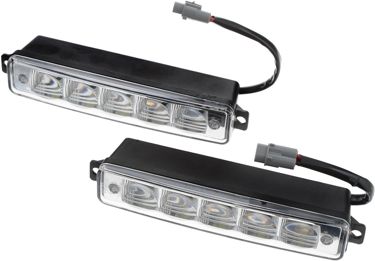Дневные ходовые огни Nord YADA, 2 шт. 902078902078Дневные ходовые огни Nord YADA предназначены для создания хорошей видимости автомобиля на дороге с целью достижения высокого уровня безопасности движения. Особенности: - Супер яркий светодиод потребляет намного меньше энергии, чем обычная лампа, сохраняя оптимальную светоотдачу. - Привлекательный дизайн и регулируемый кронштейн, который подходит к различным моделям автомобилей. - Водонепроницаемый отражатель для любых дорожных и погодных условий.Количество светодиодов: 2 х 5. Мощность: 5 Вт. Напряжение: 12/24 В . Температура свечения: 5000 К (холодный белый свет). Комплектация: 2 шт.