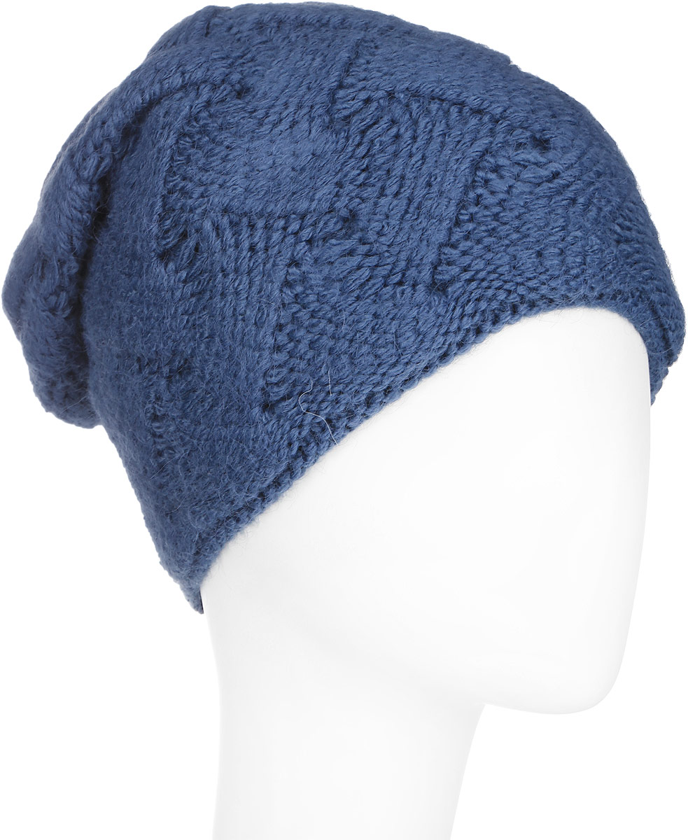 Шапка женская Finn Flare, цвет: темно-синий. A16-11154_142. Размер 56A16-11154_142Стильная женская шапка Finn Flare дополнит ваш наряд и не позволит вам замерзнуть в холодное время года. Шапка выполнена из высококачественной комбинированной пряжи, что позволяет ей великолепно сохранять тепло и обеспечивает высокую эластичность и удобство посадки. Изделие дополнено теплой подкладкой. Модель с удлиненной макушкой оформлена оригинальным узором и металлической эмблемой с логотипом производителя. Такая шапка станет модным и стильным дополнением вашего гардероба. Она согреет вас и позволит подчеркнуть свою индивидуальность!