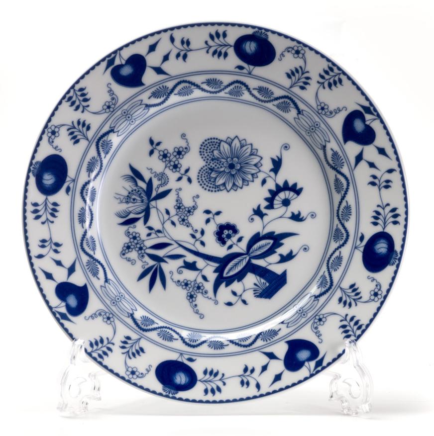 Тарелка десертная La Rose des Sables Ognion Bleu, диаметр 22 см530122 1313Тарелка La Rose des Sables Ognion Bleu, изготовленная из высококачественного фарфора, имеет классическую круглую форму. Она прекрасно впишется в интерьер вашей кухни и станет достойным дополнением к кухонному инвентарю. Тарелка La Rose des Sables Ognion Bleu подчеркнет прекрасный вкус хозяйки и станет отличным подарком.Диаметр тарелки (по верхнему краю): 22 см.