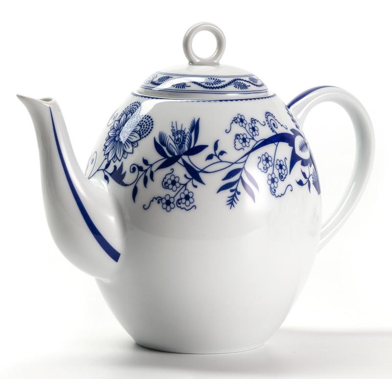 Чайник La Rose Des Sables Ognion Bleu, 1,7 л552917 1313Чайник La Rose Des Sables Ognion Bleu изготовлен из фарфора.Благодаря двойному термическому обжигу, тонкостенный фарфор обладает высокой ударопрочностью. Чайник станет ярким акцентом в сервировке вашего стола. Отлично смотрится и в классическом, и в современном интерьере. Можно использовать в СВЧ и посудомоечной машине.Объем чайника: 1,7 л.