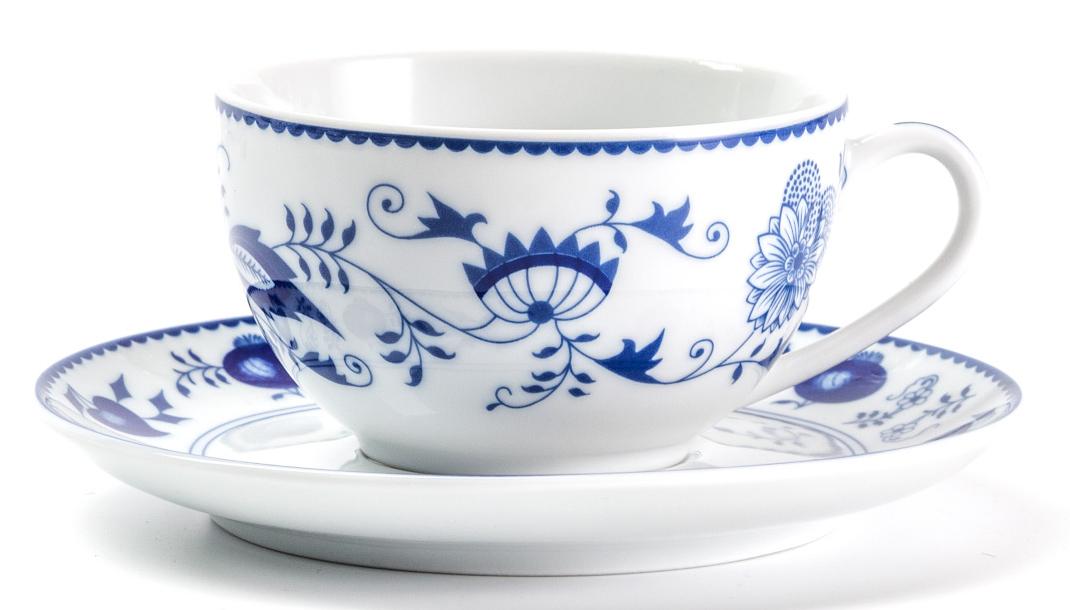 Чайная пара La Rose Des Sables Ognion Bleu, 200 мл613520 1313Фарфор производится в Тунисе из знаменитой своим качеством и белизной глины, добываемой во французской провинции Лимож. Преимущества этого фарфора заключаются в устойчивости к сколам и трещинам, что возможно благодаря двойному термическому обжигу. Лиможский фарфор не содержит включений тяжелых металлов, что соответствует мировым и российским санитарным требованиям. Данную серию можно использовать в СВЧ и посудомоечной машине. Приобретая лиможский фарфор, вы становитесь обладателем древних традиций и искусства фарфора.