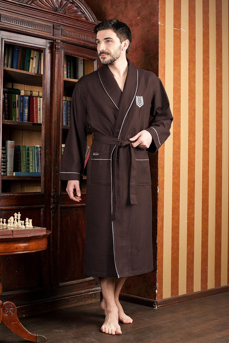 Халат мужской Five Wien Home, цвет: коричневый. 431. Размер XXXL (54/56)431Шикарный вафельный бамбуковый халат с элегантной вышивкой на груди и на кармане. Выполнен из высококачественного материала.