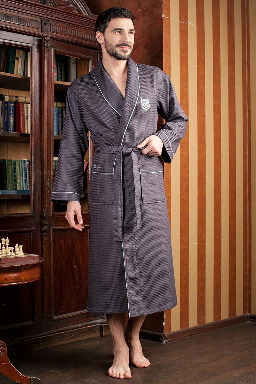 Халат мужской Five Wien Home, цвет: серый. 431. Размер XXXL (54/56)431Шикарный вафельный бамбуковый халат с элегантной вышивкой на груди и на кармане. Выполнен из высококачественного материала.
