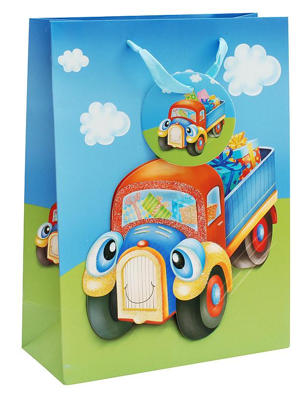 Пакет подарочный Белоснежка Грузовичок, 18 х 24 х 8 см1031-SBПодарочный пакет Грузовичок выполнен из качественной плотной бумаги с хорошей печатью, объемные элементы на пакете придают дополнительный яркий акцент.