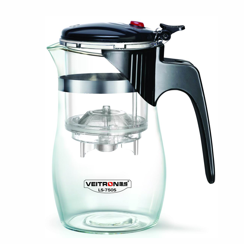 Чайник заварочный Veitron, с фильтром, 650 мл. LS-750SLS-750SЗаварочный чайник Veitron, оснащенный кнопкой для сливазаварки, изготовлен из экологически чистых и безопасныхматериалов. Колба выполнена из прочного термостойкогостекла. Рекомендации по использованию:- не используйте посуду в случае появления трещин илисколов;- не используйте в СВЧ;- можно мыть в посудомоечной машине.Номинальный объем чайника 650 мл, объем колбы 200 мл, примерный объем завареннойжидкости 500 мл.