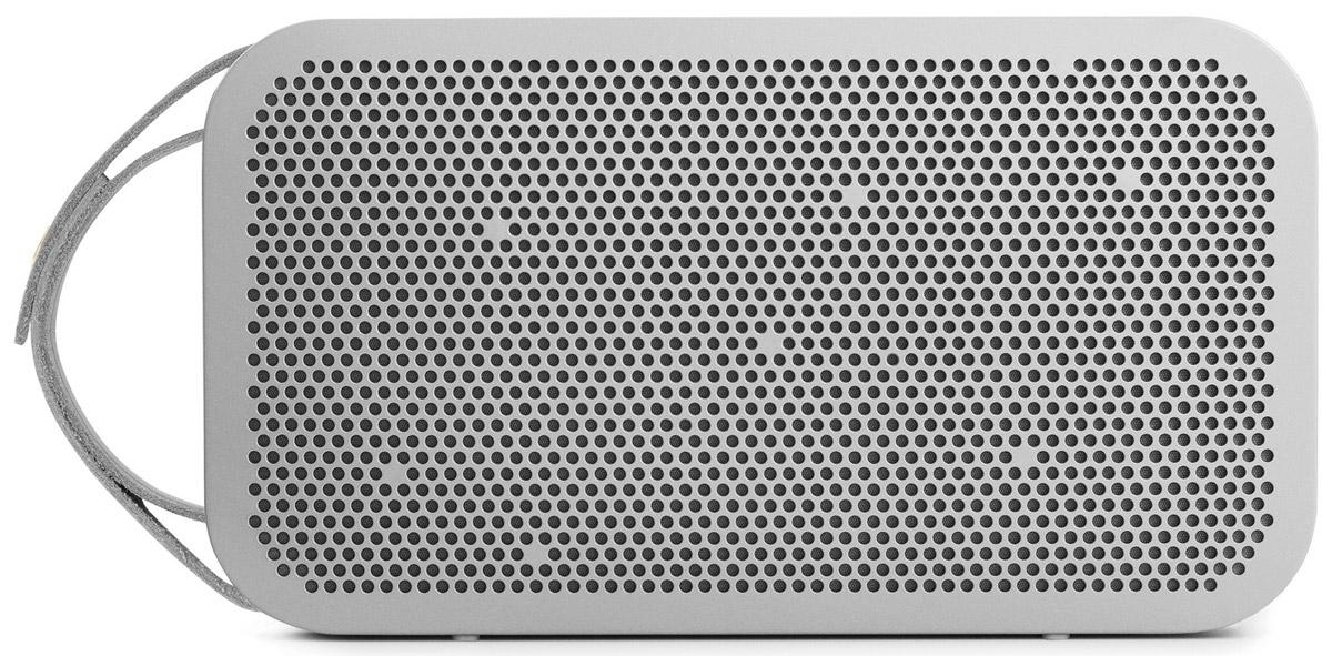 Bang & Olufsen BeoPlay A2, Champagne Grey портативная акустическая система1290988Bang & Olufsen BeoPlay A2 - мощная портативная акустическая Bluetooth-система, созданная для мобильности и обеспечивающая всенаправленный звук True360. Благодаря новаторской технологии устройство работает беспрецедентные 24 часа от батареи. Данная модель выполнена в прочном алюминиевом корпусе для акустической стабильности. Фирменный звук Bang & Olufsen Signature Sound обеспечивает достоверное воспроизведение музыки именно так, как хотел передать ее исполнитель.Мощность усилителей: 2 x 30 ВтЕмкость аккумулятора: 2200 мАч