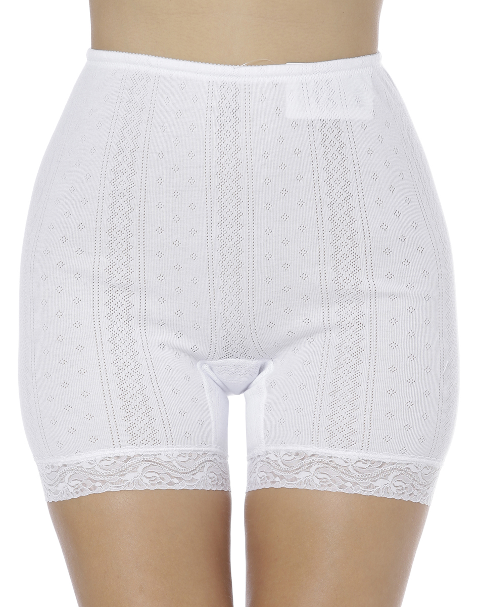 Панталоны женские Vis-A-Vis, цвет: белый. LHP1003M. Размер XXL (52)LHP1003MЭлегантные панталоны Vis-A-Vis подчеркнут вашу женственность и уникальный вкус. Панталоны завышенной посадки выполнены из высококачественного натурального хлопка, что позволяет им создавать неповторимое ощущение комфорта и удобства. Комфортные эластичные швы приятны к телу и не раздражают кожу. Изделие выполнено из ажурного хлопкового полотна и дополнено кружевными лентами по низу. Панталоны подтягивают и корректируют фигуру, удобно сидят, не стесняют движений и совершенно незаметны под одеждой, что обеспечивает наибольшее удобство при носке. Они позволят вам чувствовать себя комфортно в любое время и подчеркнут ваше очарование и привлекательность.