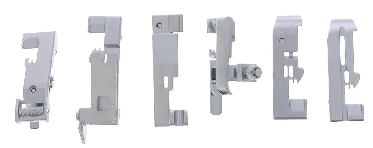 Merrylock комплект лапок для 4-ниточного оверлока4716779470192Набор из 6-ти лапок Merrylock для 4-ниточного оверлока. Комплект включает в себя:Лапка для пришивания эластичной ленты, которая применяется для пришивания резиновой ленты. При этом можно регулировать степень стягивания ленты.Лапка для потайной строчки. Она применяется для пошива поясов трикотажных изделий и выполнения невидимых строчек на изделиях.Лапка для сборки. Она применяется для пошива ступенчатых юбок, оборок, корсажей и т. д. Лапка применяется также для сшивания двух слоев ткани в складку в одну операцию.Лапка для пришивания бисера. Эта лапка используется для вшивания бисерных нитей.Лапка для прокладывания шнура и канта. Применяется для прокладывания шнура и канта между двумя кусками материала.Лапка для вшивания вкладной нити. С помощью этой лапки можно вшивать шнуры и другие нити