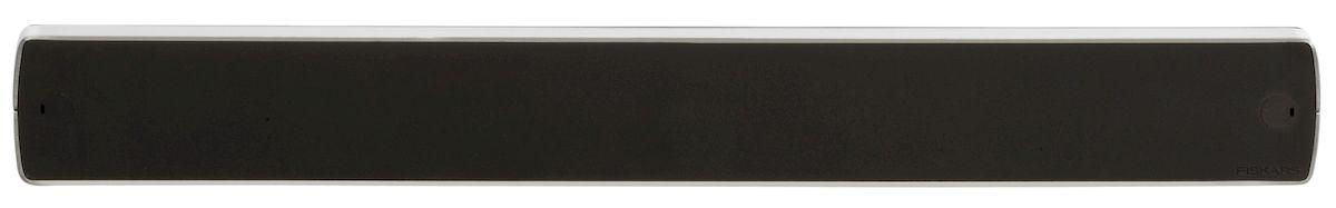 """Магнит Fiskars """"Functional Form Plus"""" крепится к стене. Он подходит для хранения ножей, где бы они не использовались на кухне."""