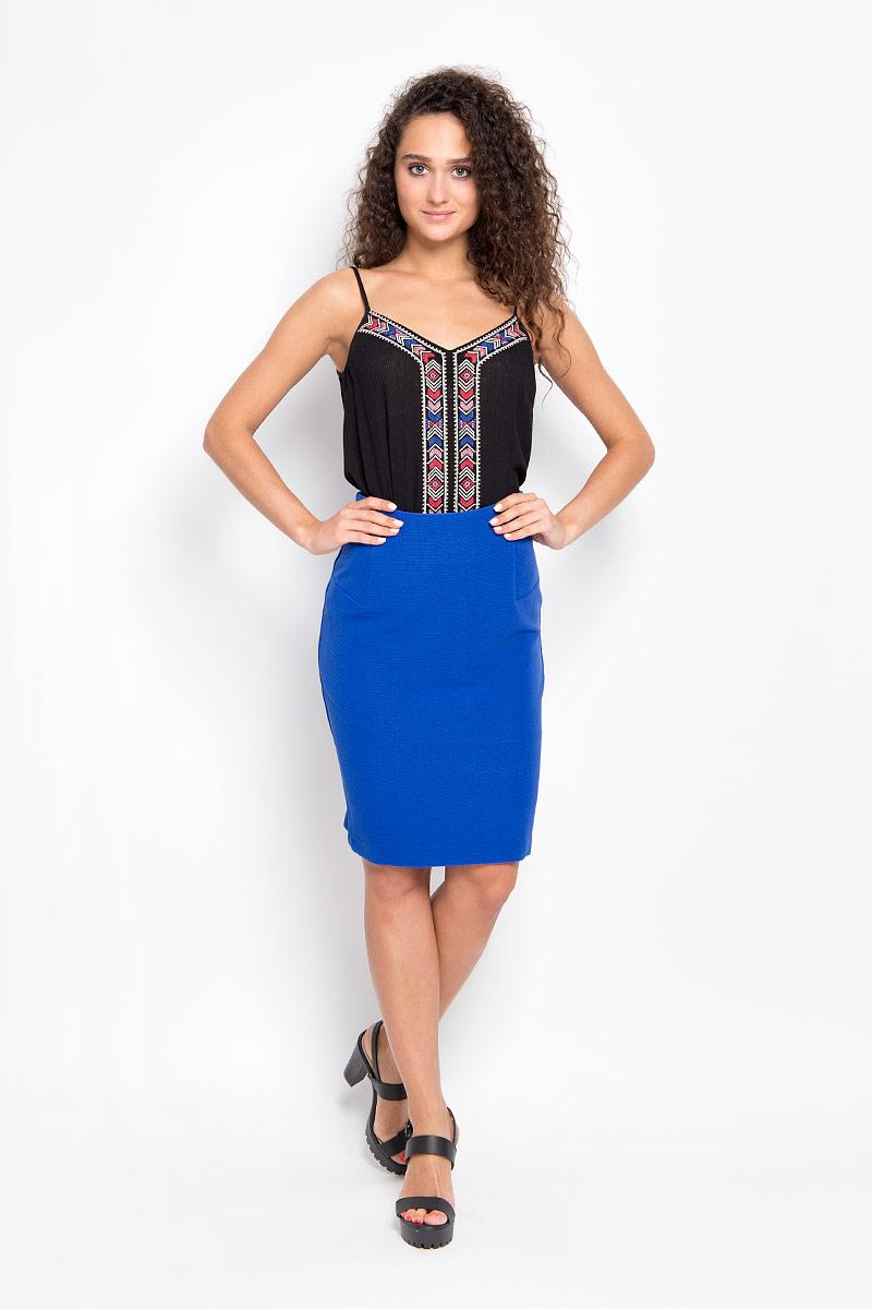 Юбка Finn Flare, цвет: синий. A16-32064_104. Размер XS (42)A16-32064_104Эффектная юбка Finn Flare выполнена из полиэстера, она обеспечит вам комфорт и удобство при носке.Элегантная юбка-карандаш средней длины застегивается на застежку-молнию и имеет небольшой разрез сзади. Юбка оформлена объемными полосками.Модная юбка-миди выгодно освежит и разнообразит ваш гардероб. Создайте женственный образ и подчеркните свою яркую индивидуальность! Классический фасон и оригинальное оформление этой юбки сделают ваш образ непревзойденным.