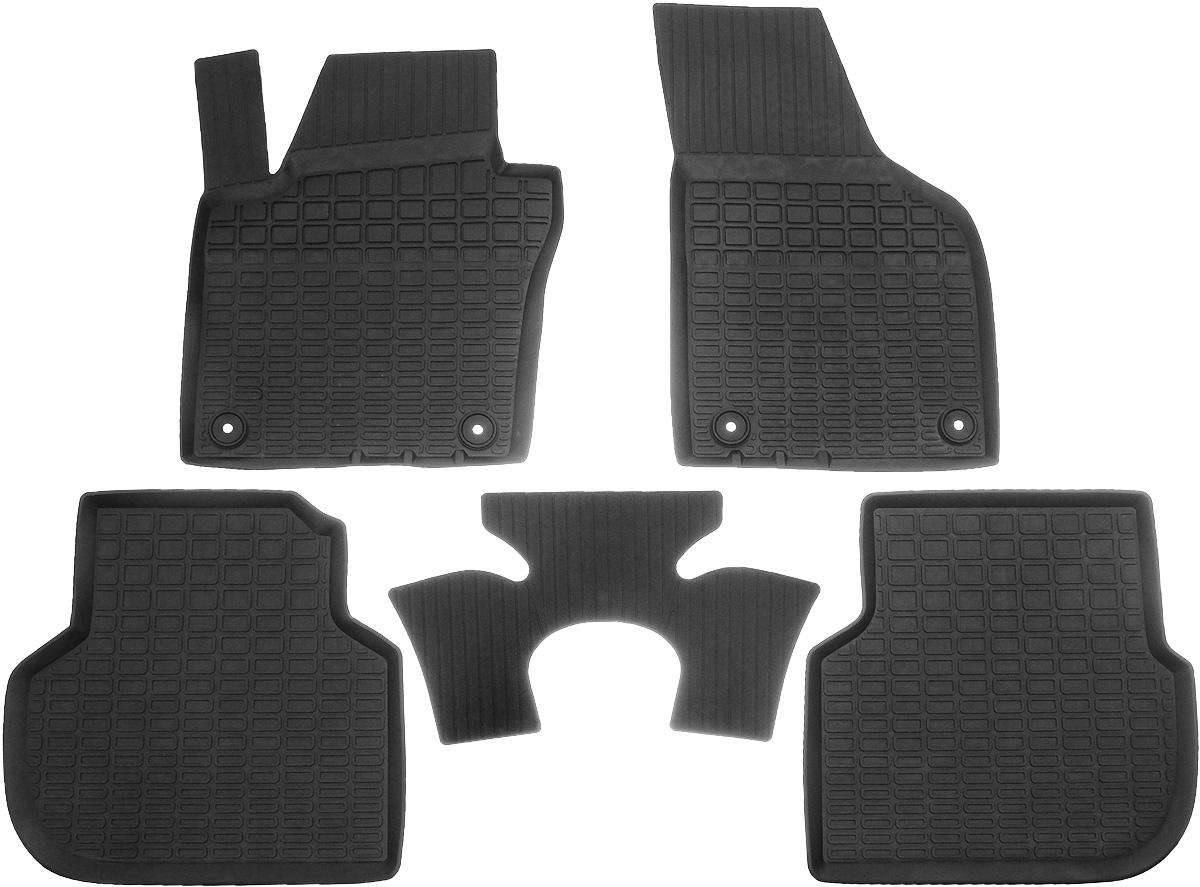 Коврики салона Rival литьевые для VW Jetta 2010-, c перемычкой, резина65802001Современная версия ковриков Rival для автомобилей, изготовлены из высококачественного и экологичного сырья с использованием технологии высокоточного литься под давлением, полностью повторяют геометрию салона вашего автомобиля.- Усиленная зона подпятника под педалями защищает наиболее подверженную истиранию область.- Надежная система крепления, позволяющая закрепить коврик на штатные элементы фиксации, в результате чего отсутствует эффект скольжения по салону автомобиля.- Высокая стойкость поверхности к стиранию.- Специализированный рисунок и высокий борт, препятствующие распространению грязи и жидкости по поверхности коврика.- Перемычка задних ковриков в комплекте предотвращает загрязнение тоннеля карданного вала.- Произведены из первичных материалов, в результате чего отсутствует неприятный запах в салоне автомобиля.- Высокая эластичность, можно беспрепятственно эксплуатировать при температуре от -45 ?C до +45 ?C.Уважаемые клиенты!Обращаем ваше внимание,что коврики имеет формусоответствующую модели данного автомобиля. Фото служит для визуального восприятия товара.