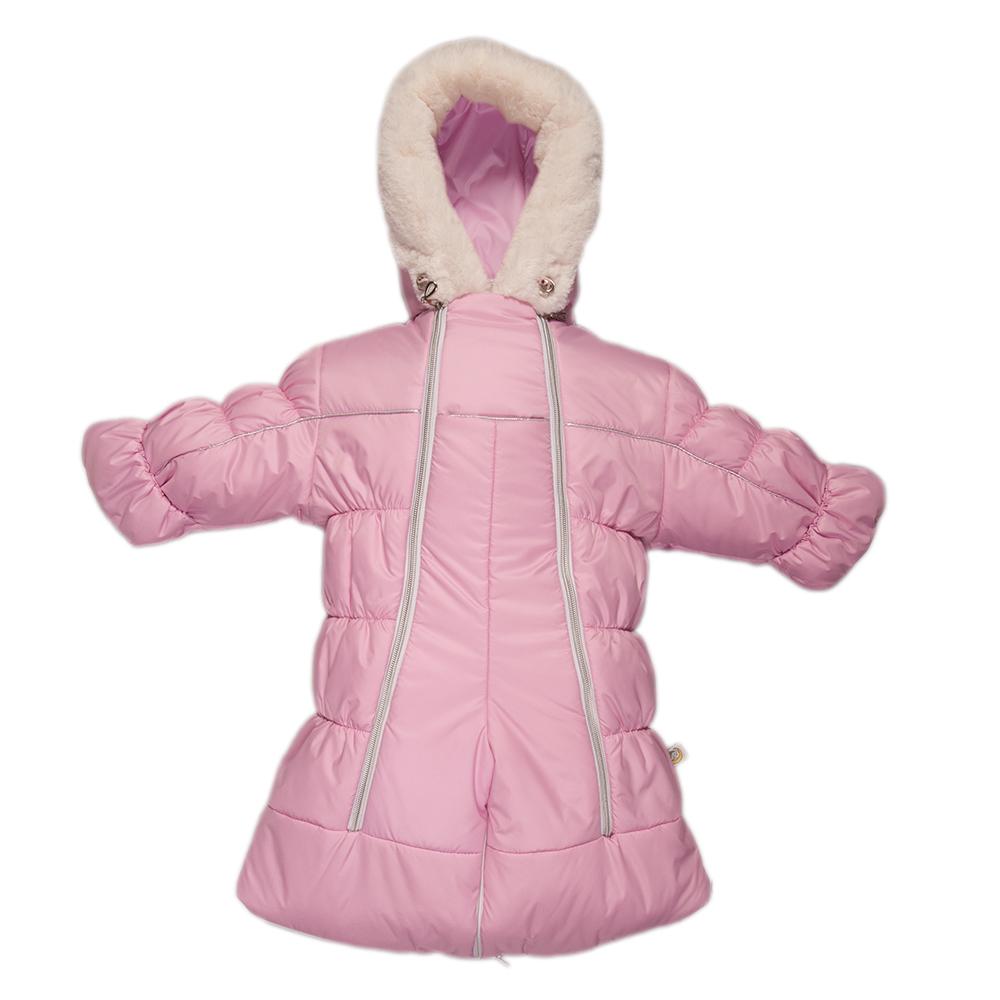 Комбинезон-трансформер детский Сонный Гномик Бамбино, цвет: розовый. 2802/2. Размер 742802/2Теплый комбинезон-трансформер Сонный Гномик Бамбино изготовлен из полиэстера на мягкой текстильной подкладке. На модели предусмотрена съемная подстежка из натуральной овечьей шерсти. В качестве утеплителя используется синтепон, также изделие оснащено теплосберегающей мембраной Shelter Kids (200г/кв.м). Комбинезон-трансформер с капюшоном и длинными рукавами застегивается на две вертикальные молнии спереди по всей длине. Капюшон, декорированный несъемной опушкой из искусственного меха, дополнен по краю эластичным шнурком со стоппером. Манжеты рукавов дополнены отворотами, которые защитят ручки малыша от холода. Благодаря удобной системе молний и кнопок на брючинах комбинезон можно легко трансформировать в конверт с рукавами. В комплект с комбинезоном входят теплые пинетки.