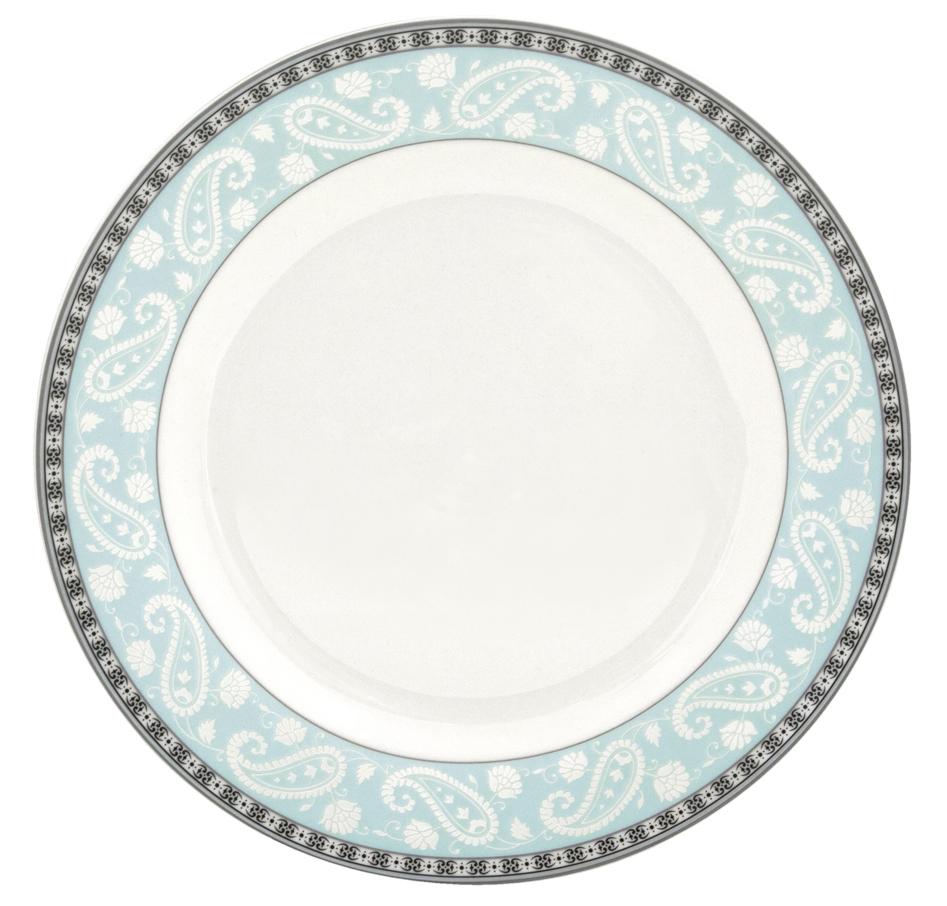Набор десертных тарелок Esprado Arista Blue, цвет: белый, черный, голубой, диаметр 20 см, 6 штARB020BE301Набор Esprado Arista Blue состоит из шести десертных тарелок, выполненных из высококачественного твердого фарфора.Особое качество твердый фарфор, из которого изготавливается посуда Esprado, имеет благодаря использованию в его изготовлении специального материала - каолина. Каолин - это сорт белой глины, впервые открытый в Китае, который обладает идеальными для производства твердого фарфора свойствами, а именно высокой пластичностью и тугоплавкостью.Посуда из твердого фарфора имеет надглазурную роспись, которая отличается богатой цветовой палитрой, что позволяет воплощать самые яркие идеи. В процессе обжига при температуре в 800°С используется природный газ, а не уголь - это сохраняет глазурь чистой и прозрачной, а саму процедуру делает экологически чистой.Над созданием дизайна коллекций посуды из твердого фарфора Esprado работает международная команда высококлассных дизайнеров, не только воплощающих в жизнь все новейшие тренды, но также и придерживающихся многовековых традиций при создании классических коллекций.Посуда из твердого фарфора будет идеальным выбором, для тех, кто предпочитает красивую современную посуду из высококачественного материала.