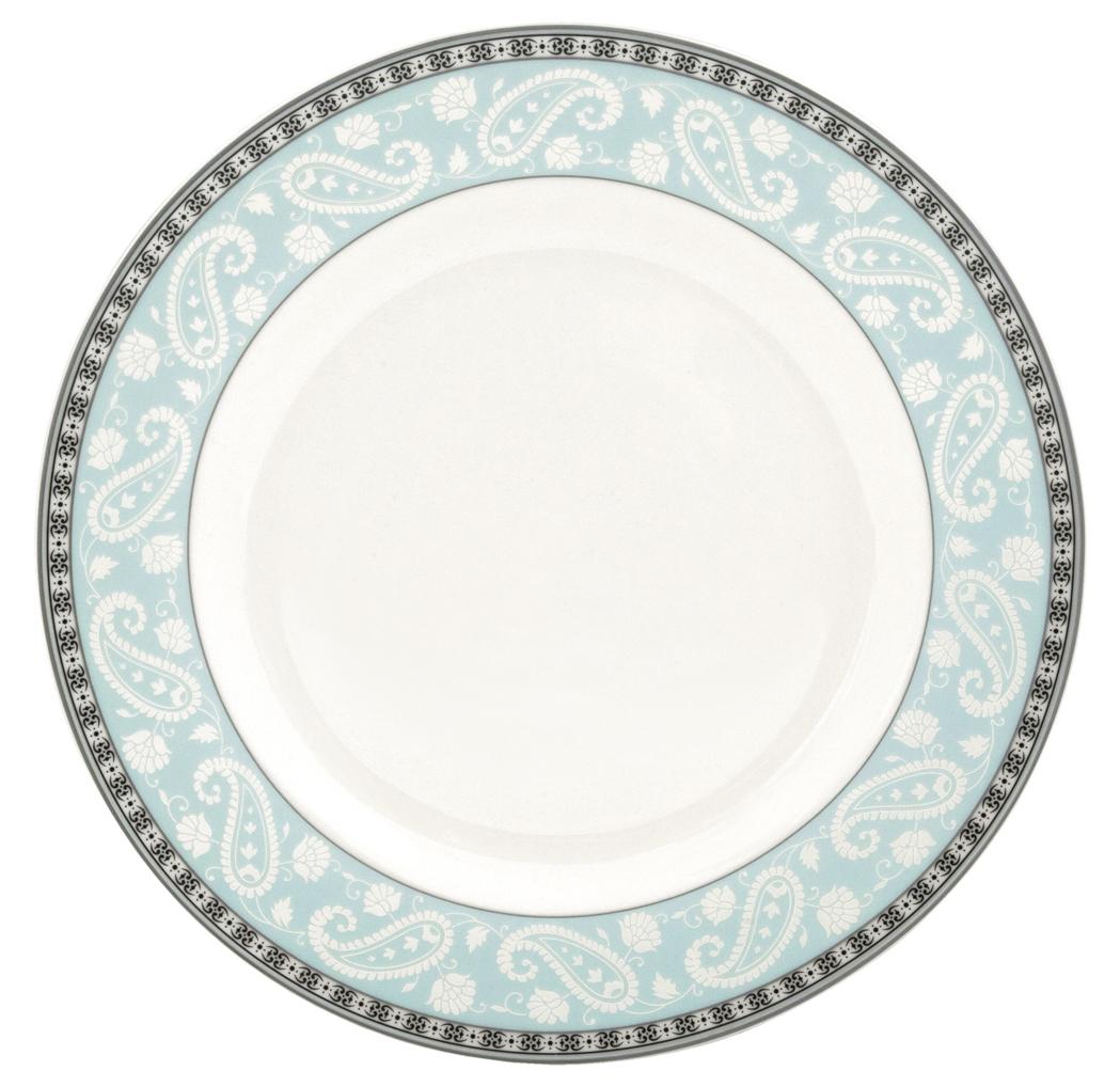 Набор обеденных тарелок Esprado Arista Blue, диаметр 22,5 см, 6 штARB022BE301Набор Esprado Arista Blue состоит из шести обеденных тарелок, декорированных изысканной каймой с орнаментом и тиснением с принтом пейсли. Посуда выполнена из костяного фарфора, основные составляющие которого костная зола и каолин. От содержания костной золы зависит белизна и прозрачность фарфора. В материале, который используется для создания посуды Esprado, его содержание от 48 до 50%.Родина костной золы, из которой производится посуда Esprado, Великобритания, славящаяся сырьем высокого качества. Каолин, белая глина на основе природного минерала, поступает из Новой Зеландии, одного из наиболее экологически чистых регионов мира. Такое сочетание обеспечивает высокое качество материала и безупречный оттенок слоновой кости. Экологическая глазурь из Японии, высоко ценящаяся во всем мире, которой покрывается готовое изделие, позволяет добиться идеально ровного цвета и кристального блеска. В костяном фарфоре отсутствуют примеси кадмия и свинца, а потому он абсолютно нетоксичен и безопасен. Посуда из фарфора Esprado прочна и устойчива к истиранию: царапины от ножа и сеточки трещин не появятся на ней даже через несколько лет. Серия Arista названа в честь первой правящей династии королевства Наварра - современной провинции Наварра в Северной Испании и Атлантических Пиренеев в современной Южной Франции. Аристократическая роскошь и непринужденная элегантность отличает каждый предмет коллекции. Голубой цвет исторически считался символом высшего сословия. Всем знакомое выражение голубая кровь пришло к нам именно из Испании, где в начале XVIII века так себя называли аристократические семьи испанской провинции Кастилии. Столовая посуда Arista Blue выполнена в благородном голубом оттенке и позволит создать за столом изысканную атмосферу без лишней вычурности. Можно использовать в микроволновой печи и мыть в посудомоечной машине.