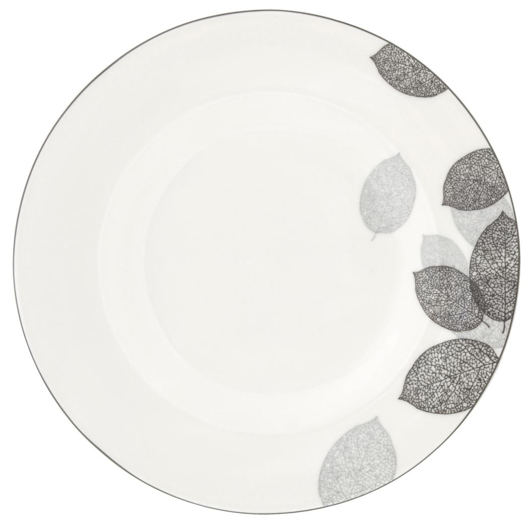 Набор обеденных тарелок Esprado Bosqua Platina, диаметр 22,5 см, 6 штBPL022SE301Набор Esprado Bosqua Platina состоит из шести обеденных тарелок, выполненных из высококачественного костяногофарфора. Над созданием дизайна коллекций посуды из фарфора Esprado работает международная команда высококлассных дизайнеров, не только воплощающих в жизнь все новейшие тренды, но также и придерживающихся многовековых традиций при создании классических коллекций. Посуда из костяного фарфора будет идеальным выбором, для тех, кто предпочитает красивую современную посуду из высококачественного материала, которая отличается высокой прочностью и подходит для ежедневного использования. Коллекция Bosqua Platina для тех, кто находится в поиске смелых и уникальных идей для своей кухни! В основе дизайна этой коллекции лежит мотив танца осенних листьев, который не только радует глаз, но и наилучшим образом преподносит красоту блюда, с любовью приготовленного хозяйкой. Можно использовать в микроволновки печи и мыть в посудомоечной машине.