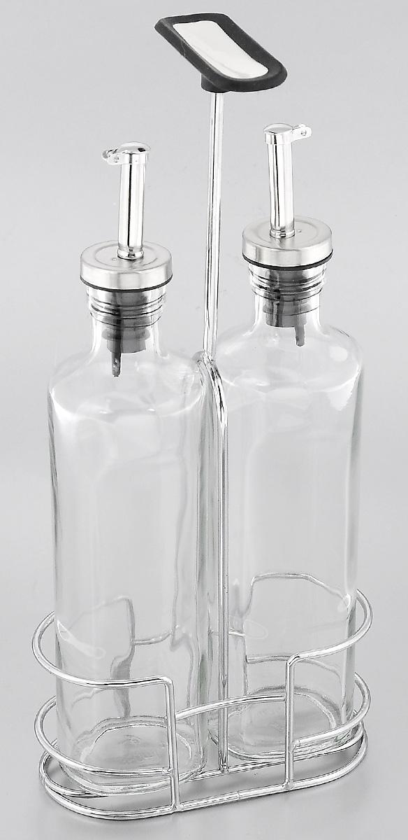 """Набор Nadoba """"Petra"""" состоит из двух емкостей для  масла и уксуса, а также хромированной стальной  подставки с прорезиненной ручкой. Емкости выполнены  из высококачественного ударопрочного стекла. Изделия  оснащены специальными металлическими дозаторами с  крышками, которые позволят добавить точное  количество масла или уксуса. Благодаря прозрачным  стенкам, можно видеть содержимое емкостей.  Такой набор стильно дополнит интерьер кухни и станет  незаменимым помощником в приготовлении ваших  любимых блюд. Можно мыть в посудомоечной машине.  Высота емкостей: 26 см.  Размер основания: 6 х 5 см. Объем емкостей: 350 мл. Размер подставки: 14 х 7 х 30 см."""
